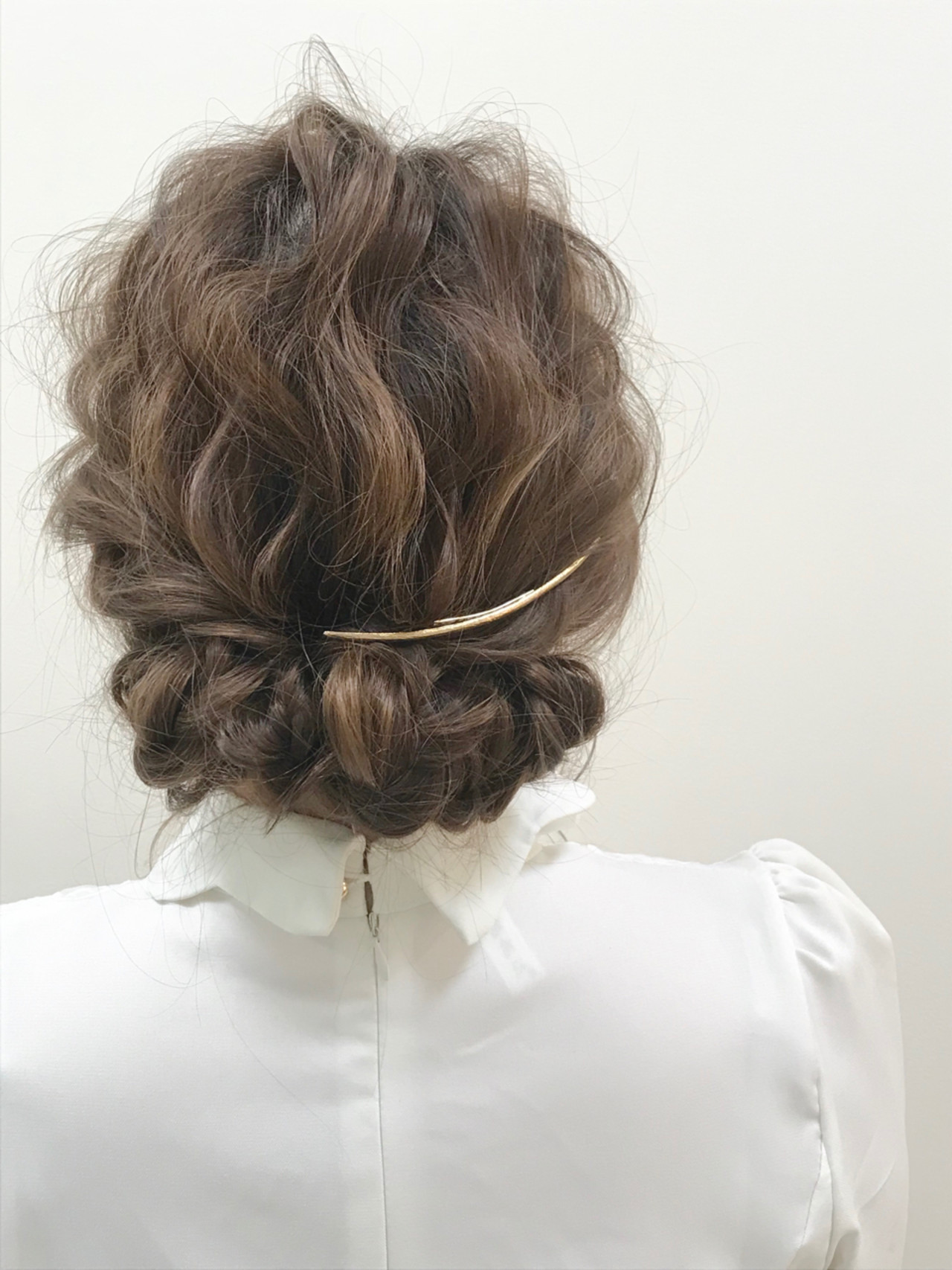 髪飾りも素敵♡ギブソンタックアレンジ 伊藤 裕貴