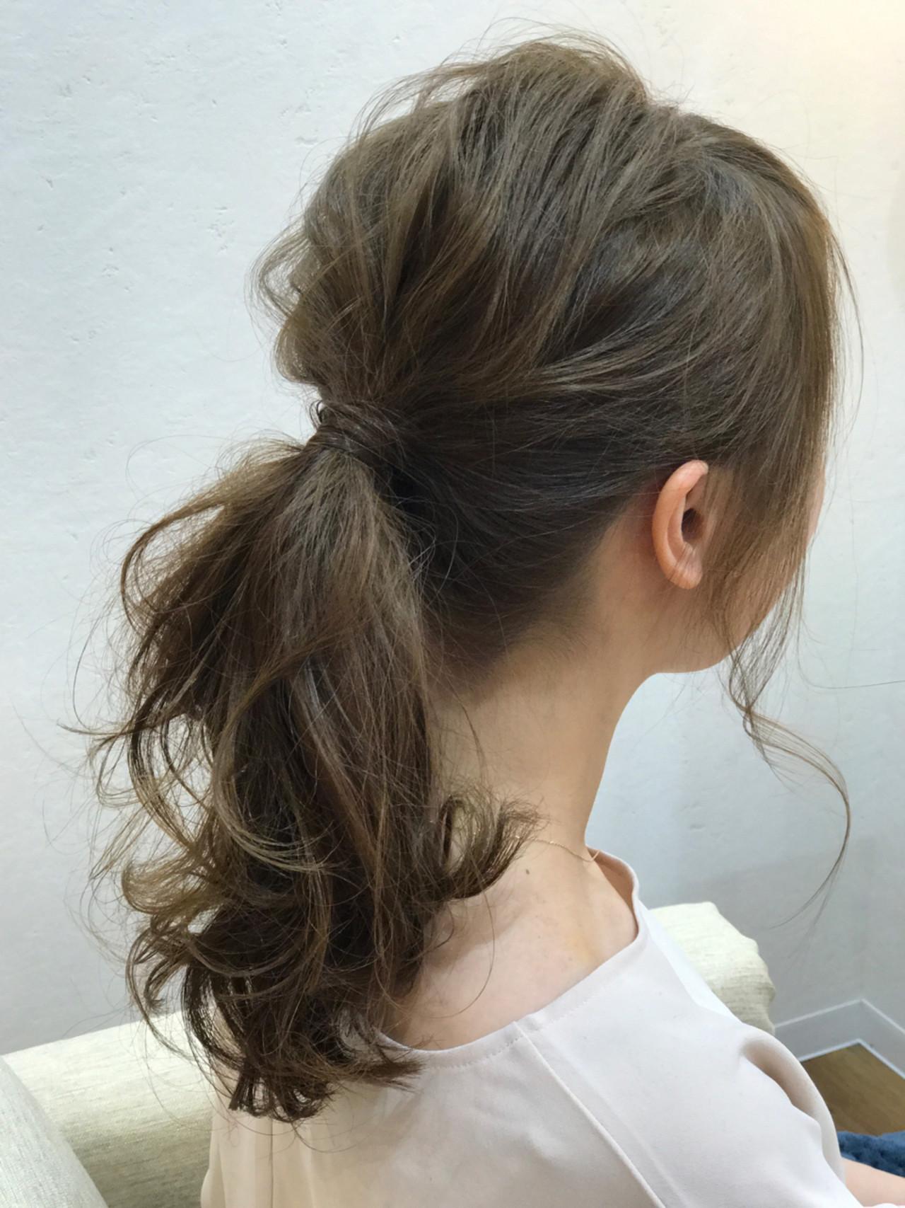 ポニーテール ナチュラル 簡単ヘアアレンジ ロング ヘアスタイルや髪型の写真・画像