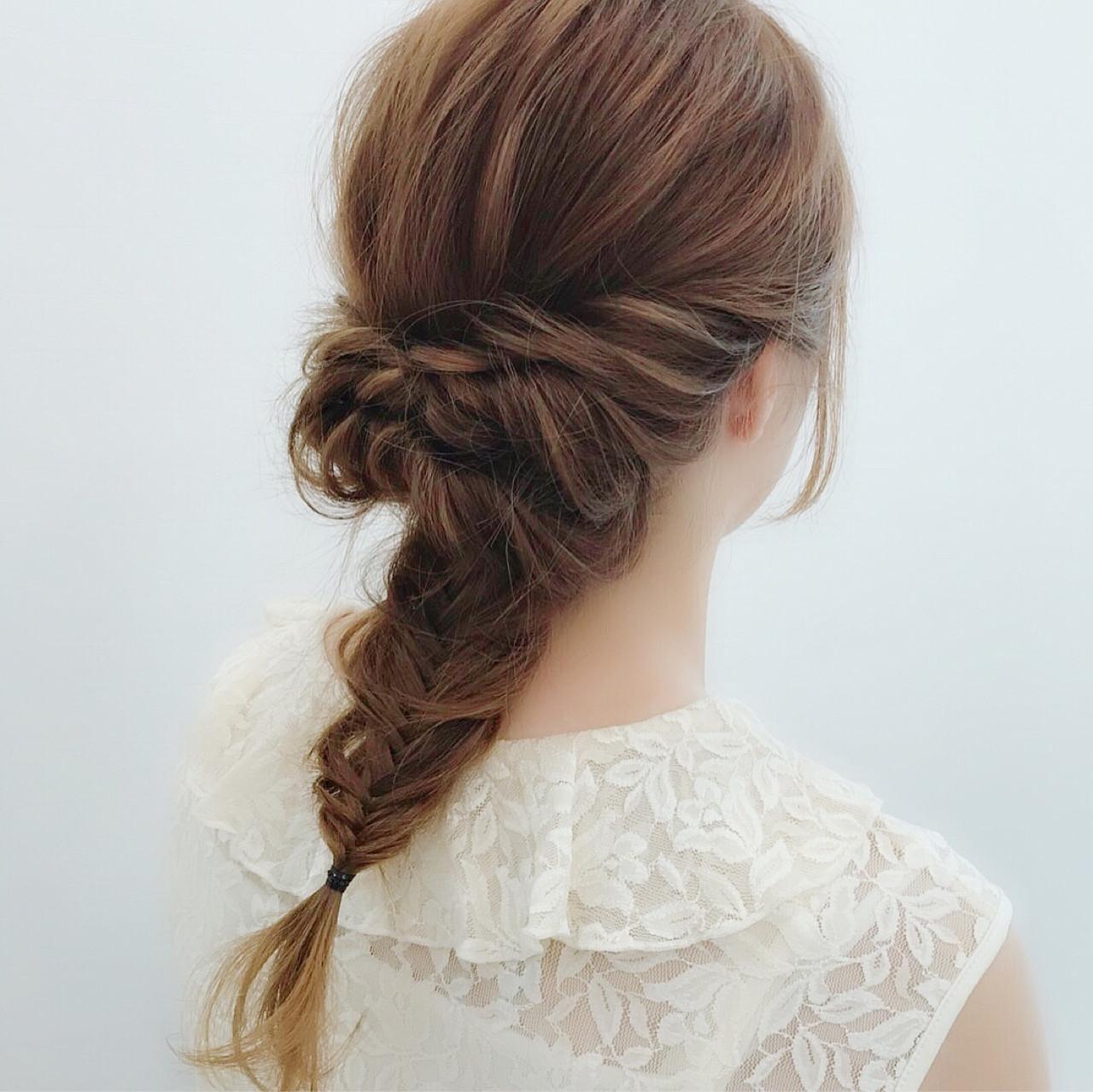 フェミニン ミディアム 結婚式 ヘアスタイルや髪型の写真・画像