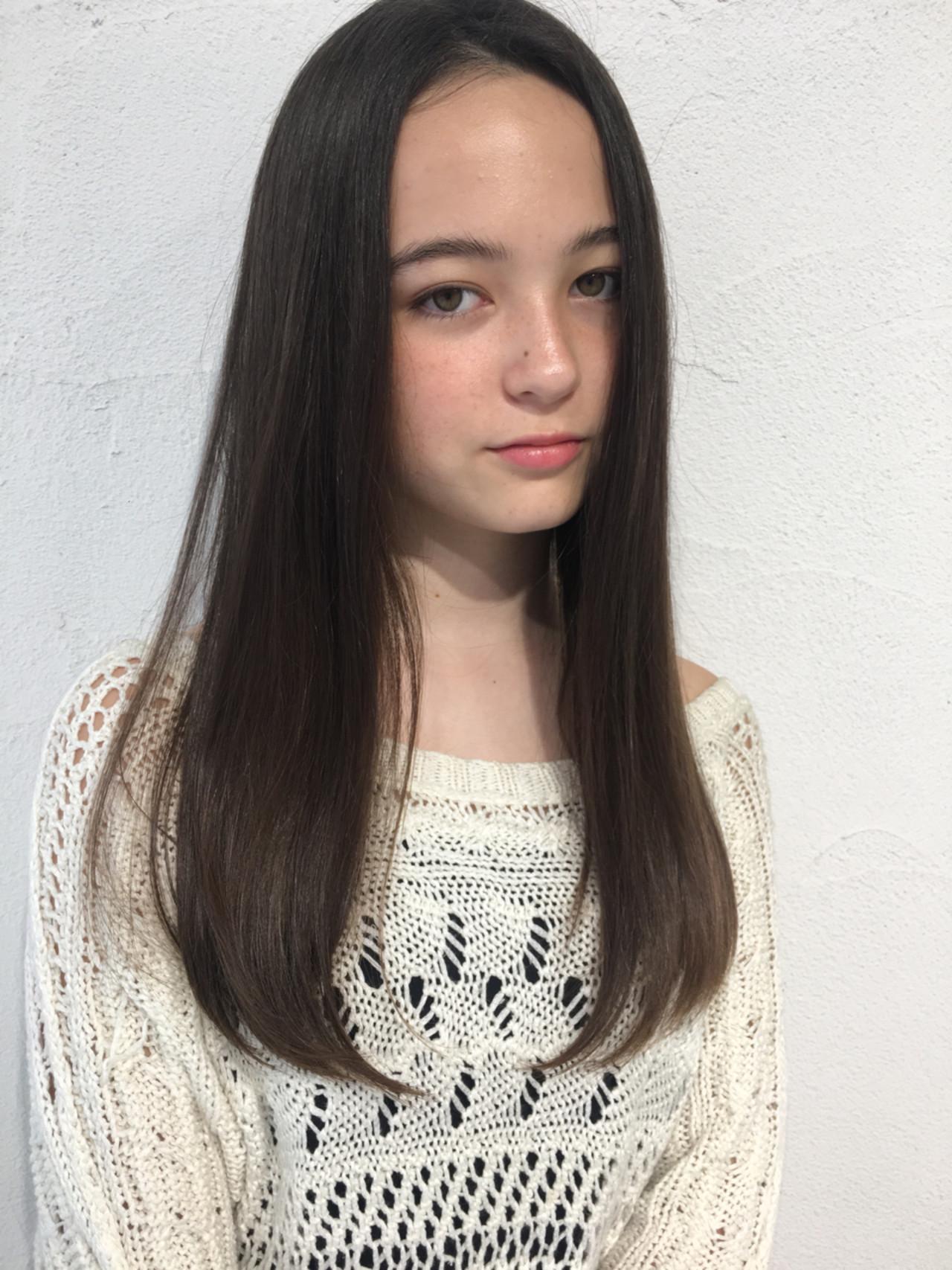 ストレート パーマ ロング 透明感 ヘアスタイルや髪型の写真・画像