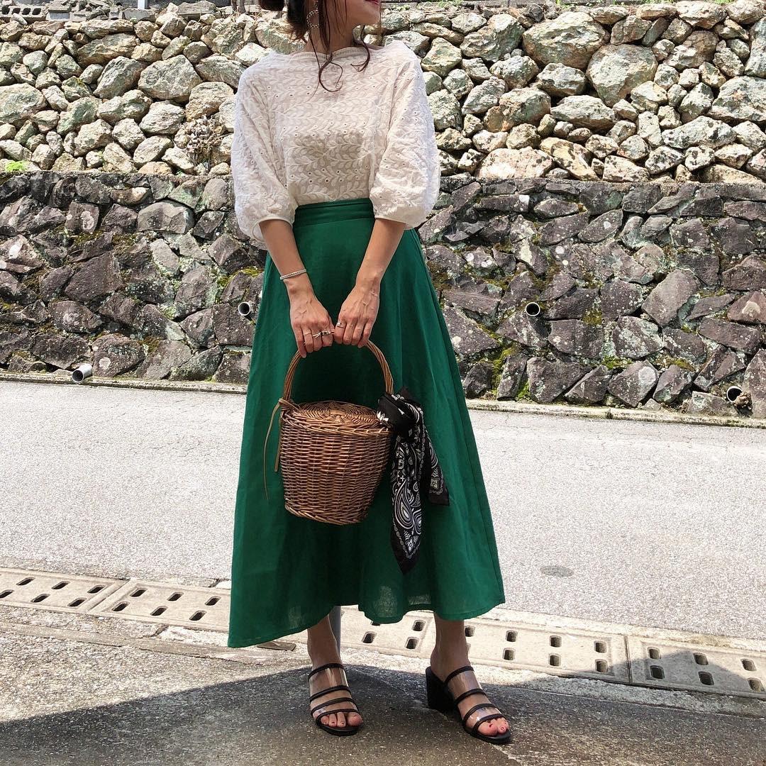 グリーン系のロングスカートでさわやかに moyooonn