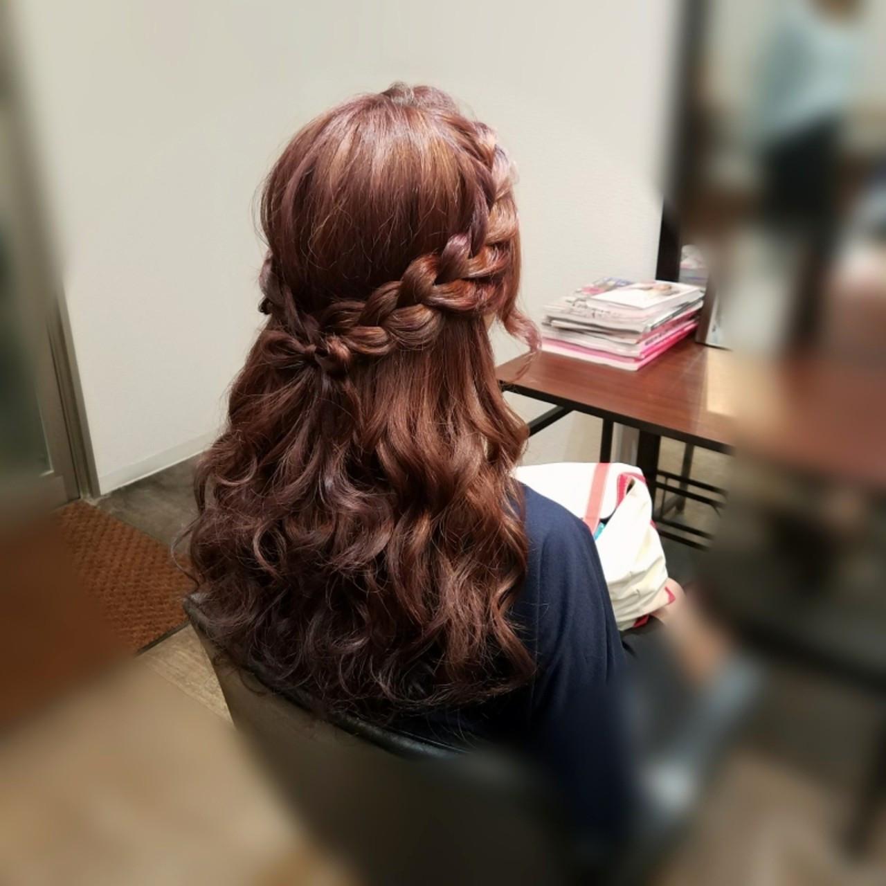フェミニン ヘアアレンジ 編み込み ハーフアップ ヘアスタイルや髪型の写真・画像