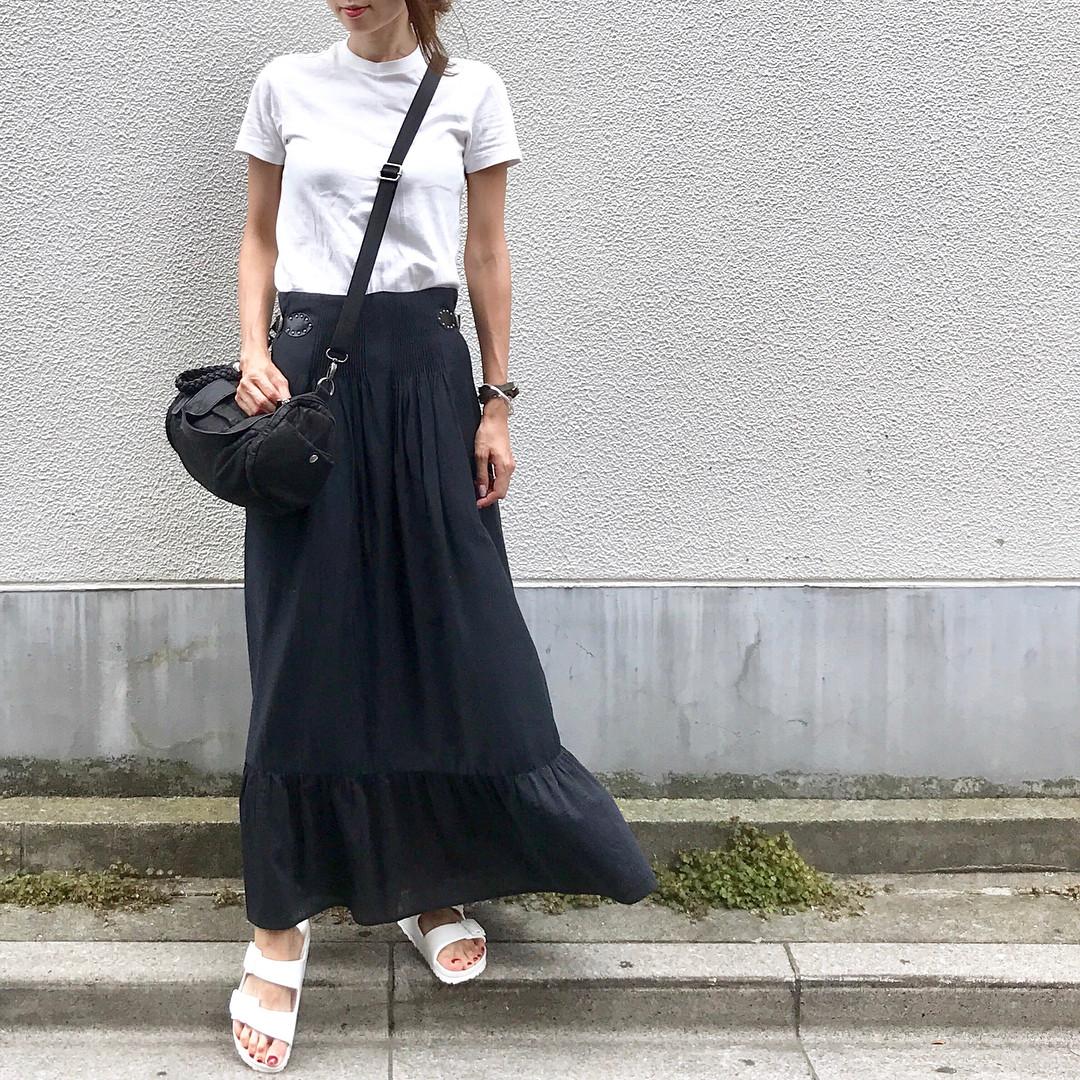 黒のロングスカートと組み合わせれば甘辛MIX soliabe5787