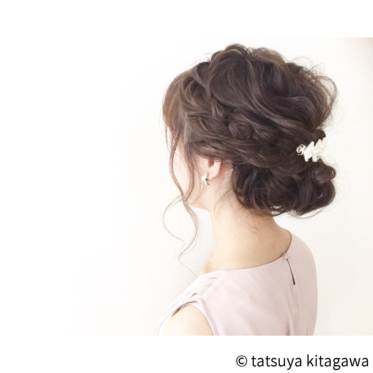 フェミニン ゆるふわ セミロング 結婚式 ヘアスタイルや髪型の写真・画像