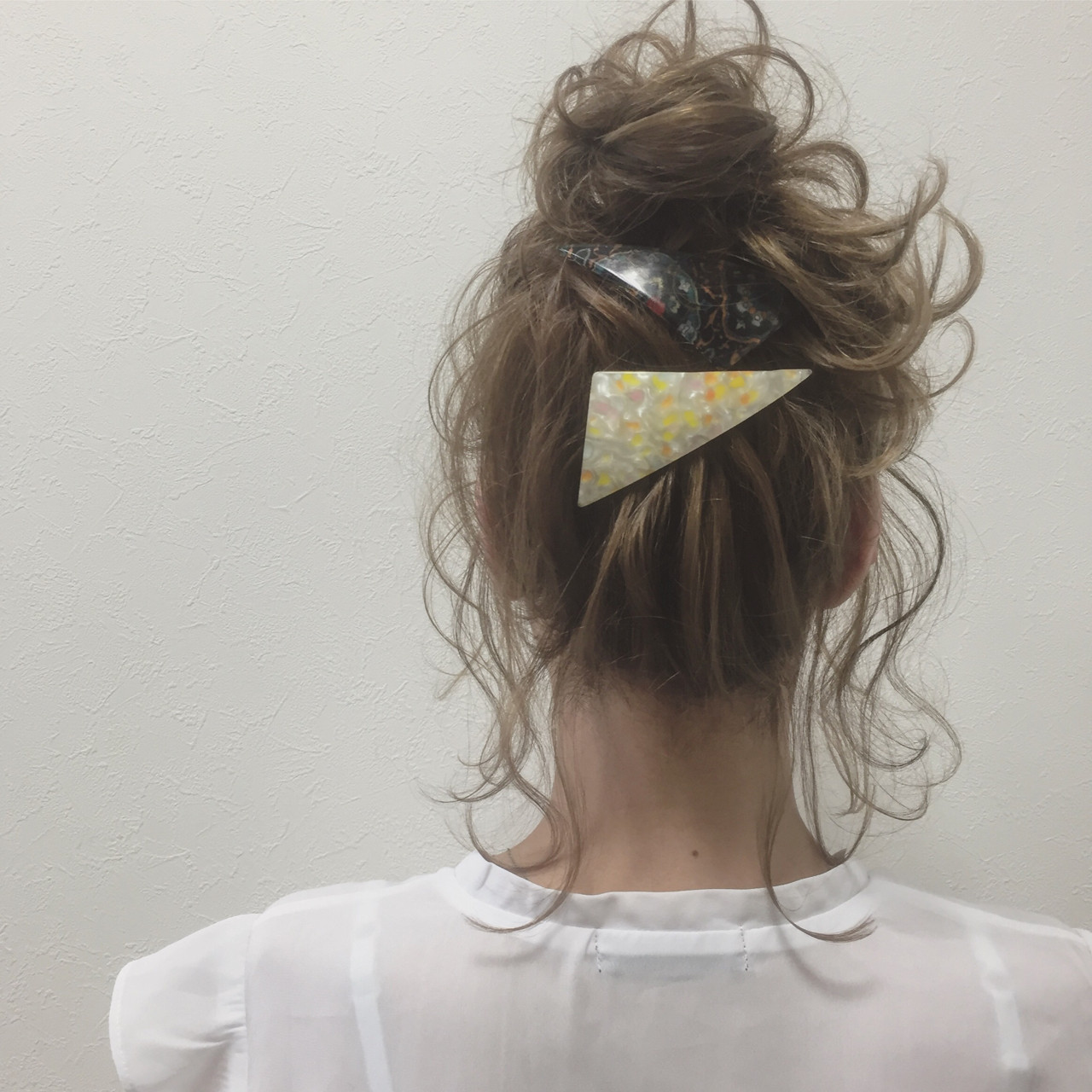 まとめ髪にバレッタ!基本のアップヘア 宮田 恵里香