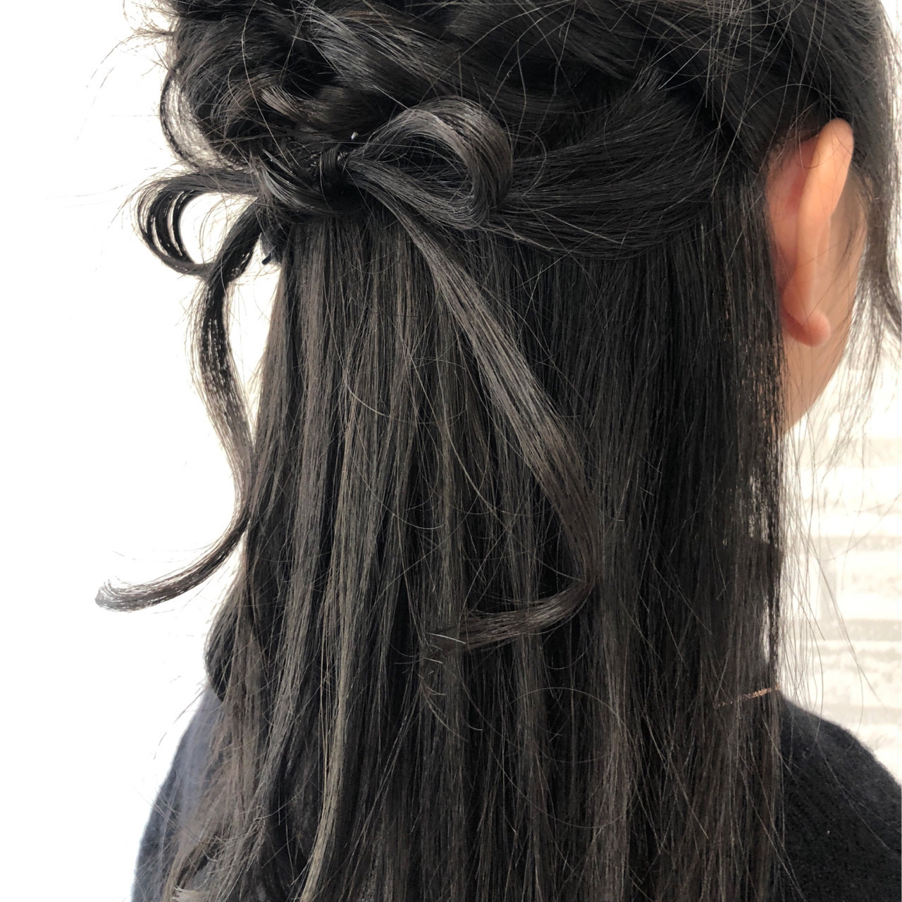 ガーリー セミロング 謝恩会 簡単ヘアアレンジ ヘアスタイルや髪型の写真・画像