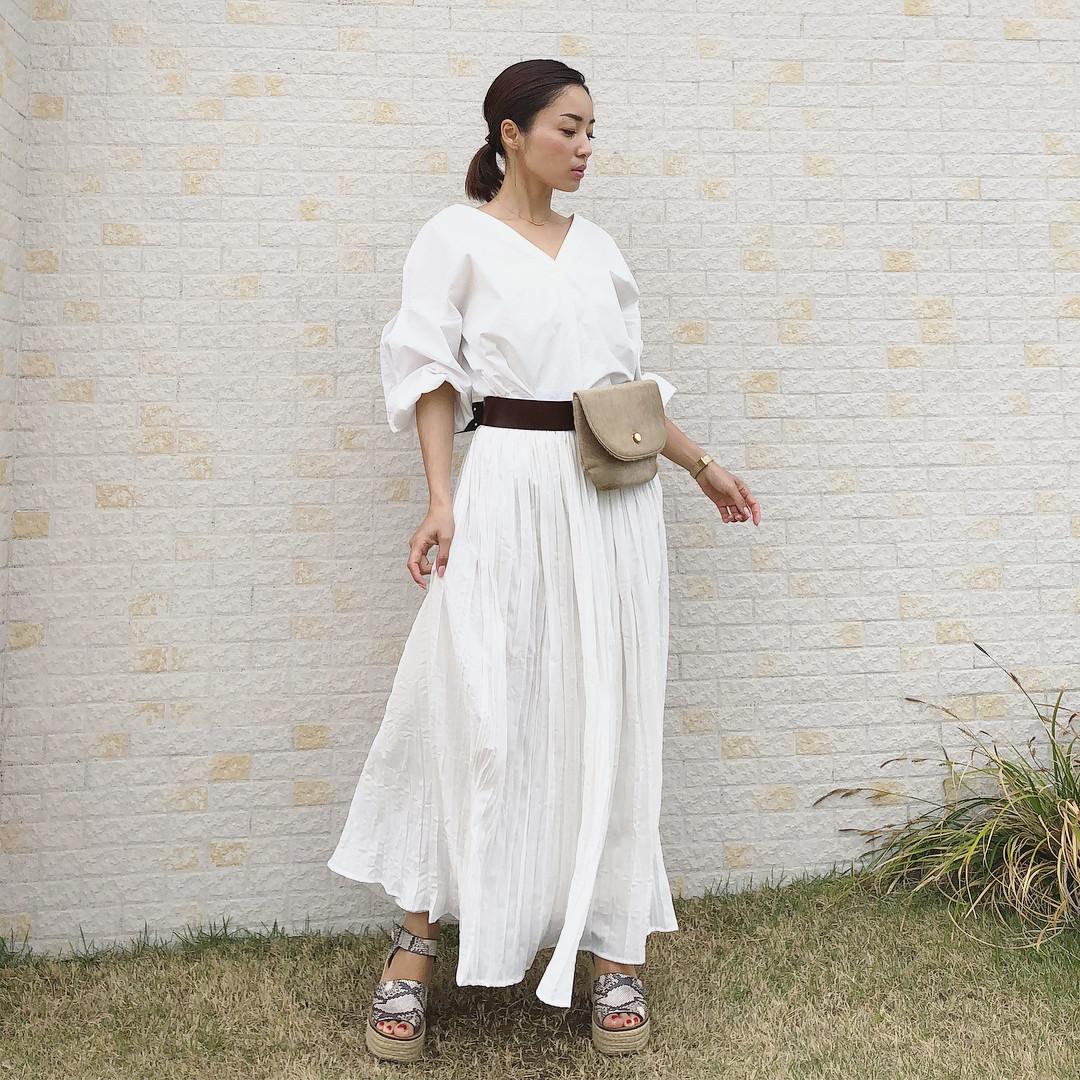 白ブラウス×白スカートで清楚感UP! kusayuu