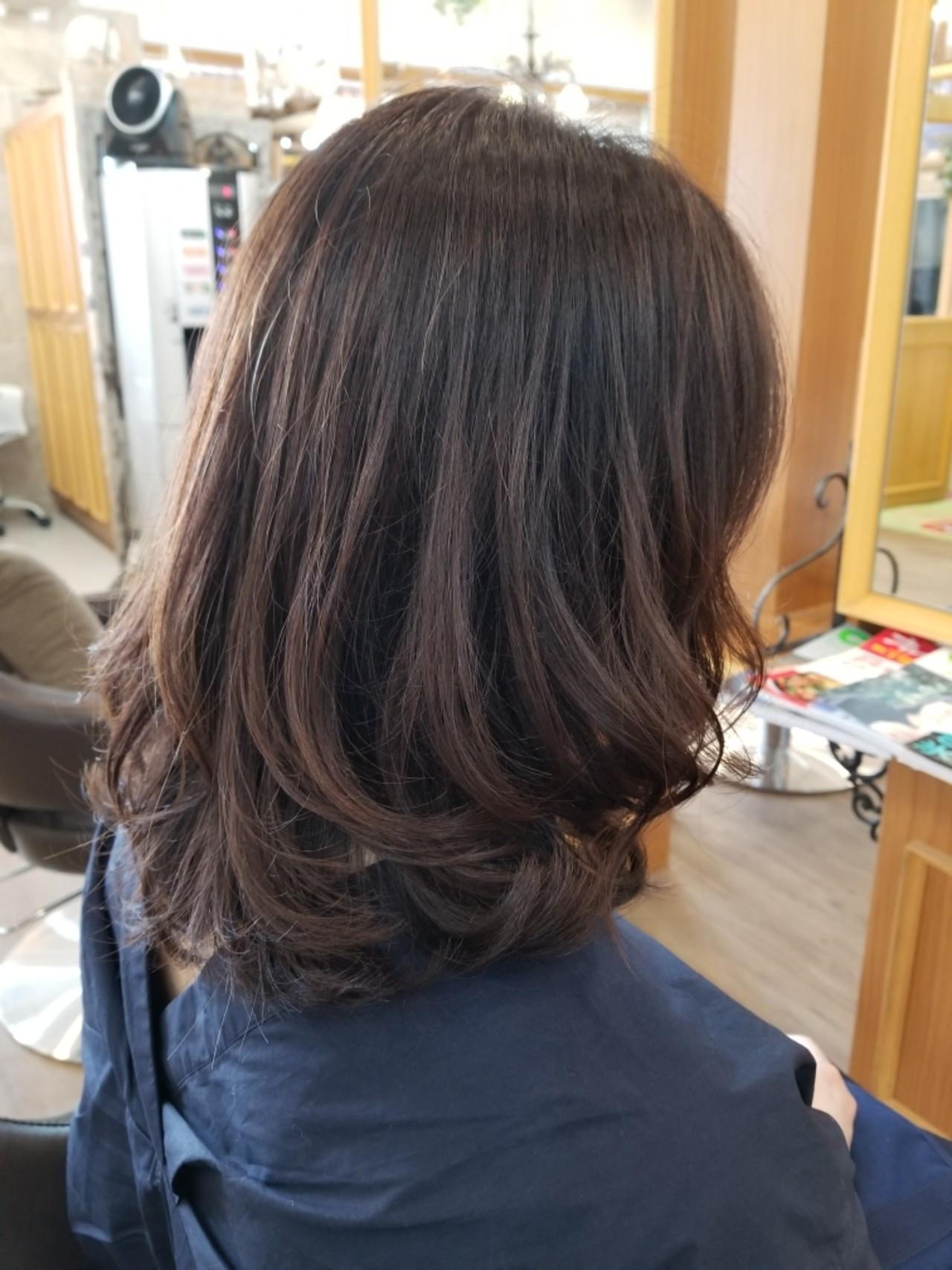 デート カール オフィス ミディアム ヘアスタイルや髪型の写真・画像