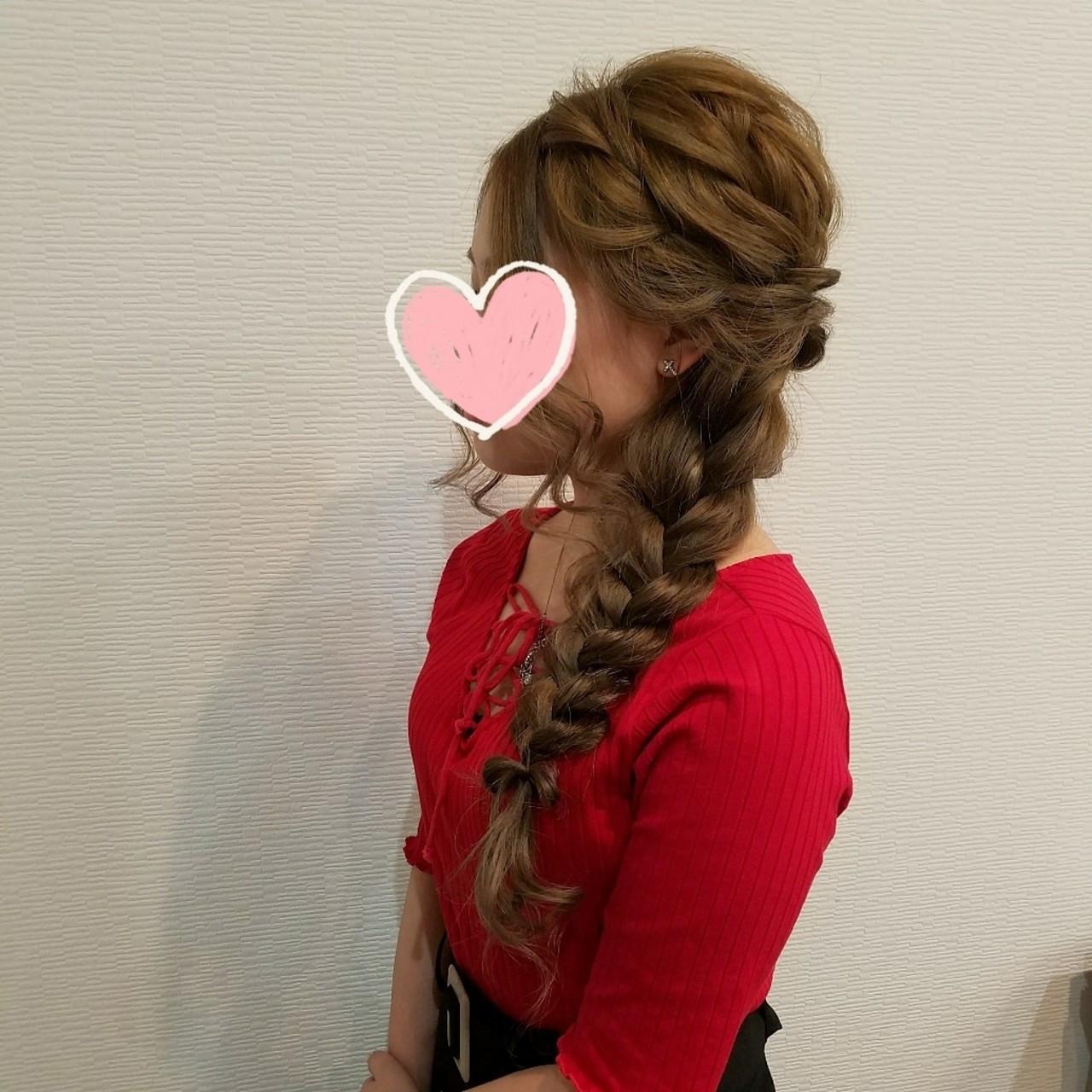 編み込み フェミニン ヘアアレンジ ロング ヘアスタイルや髪型の写真・画像