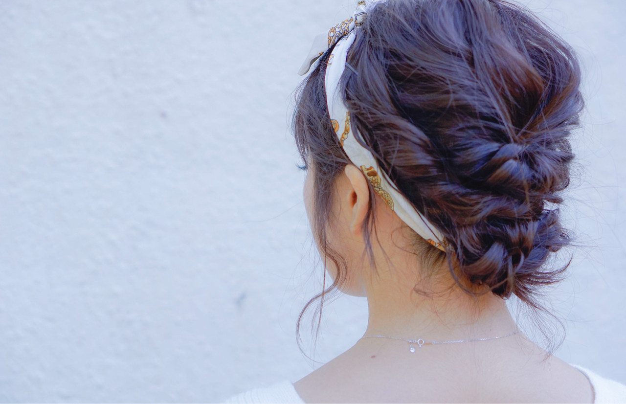 ヘアアクセ 大人女子 ミディアム ヘアアレンジ ヘアスタイルや髪型の写真・画像