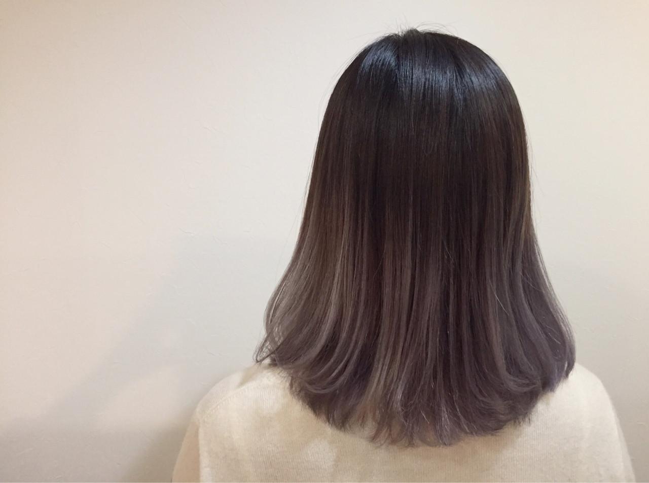 黒髪 グラデーションカラー ナチュラル アッシュ ヘアスタイルや髪型の写真・画像