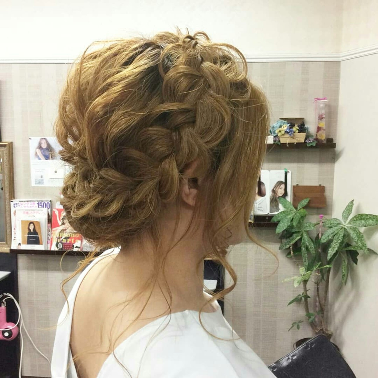ナチュラル 編み込み ヘアアレンジ セミロング ヘアスタイルや髪型の写真・画像
