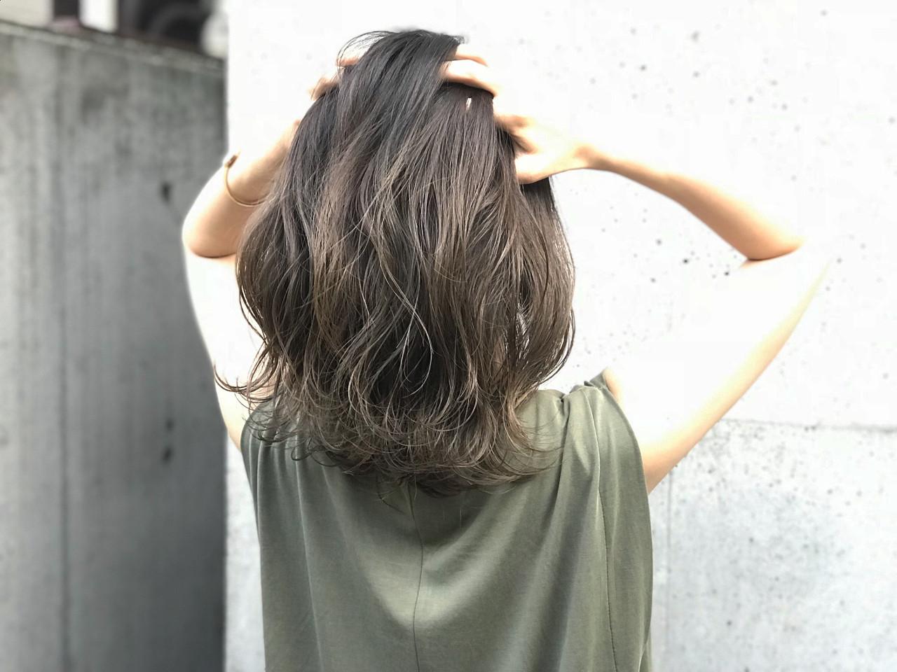 ハイライト ミディアム ナチュラル グラデーションカラー ヘアスタイルや髪型の写真・画像