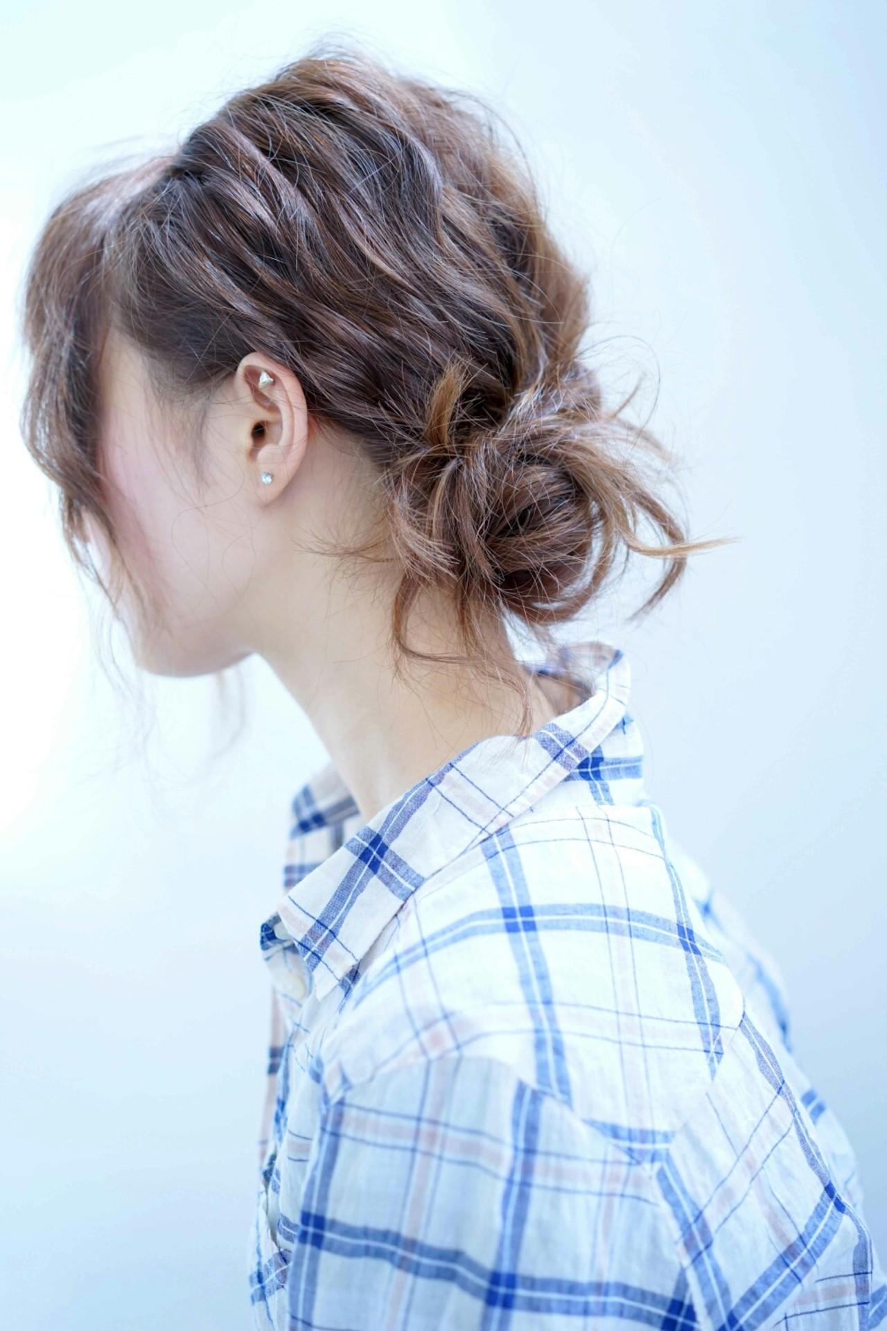 抜け感 くるりんぱ ヘアアレンジ シニヨン ヘアスタイルや髪型の写真・画像