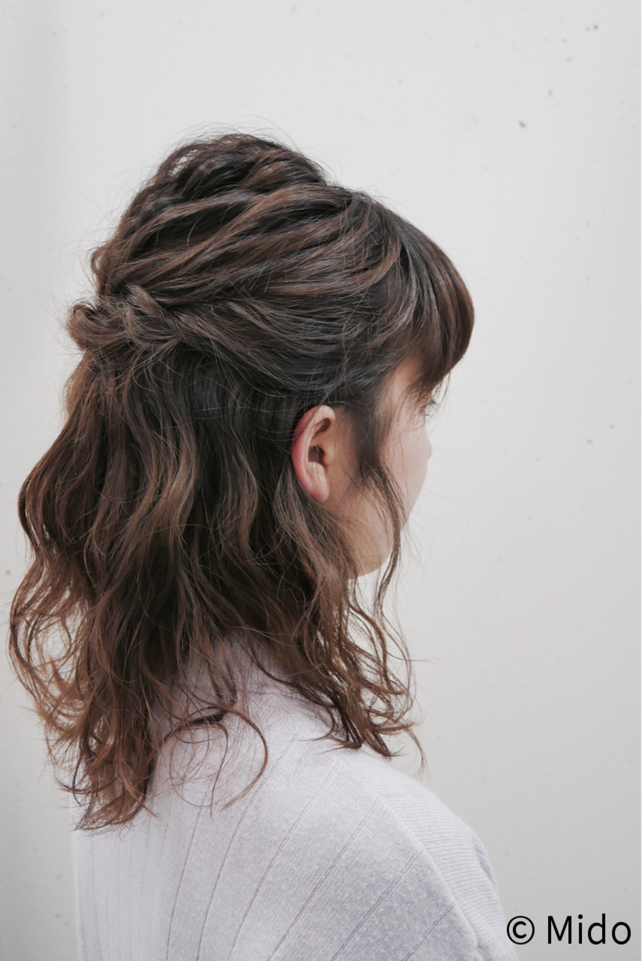 フェミニン セミロング ヘアアレンジ ガーリー ヘアスタイルや髪型の写真・画像