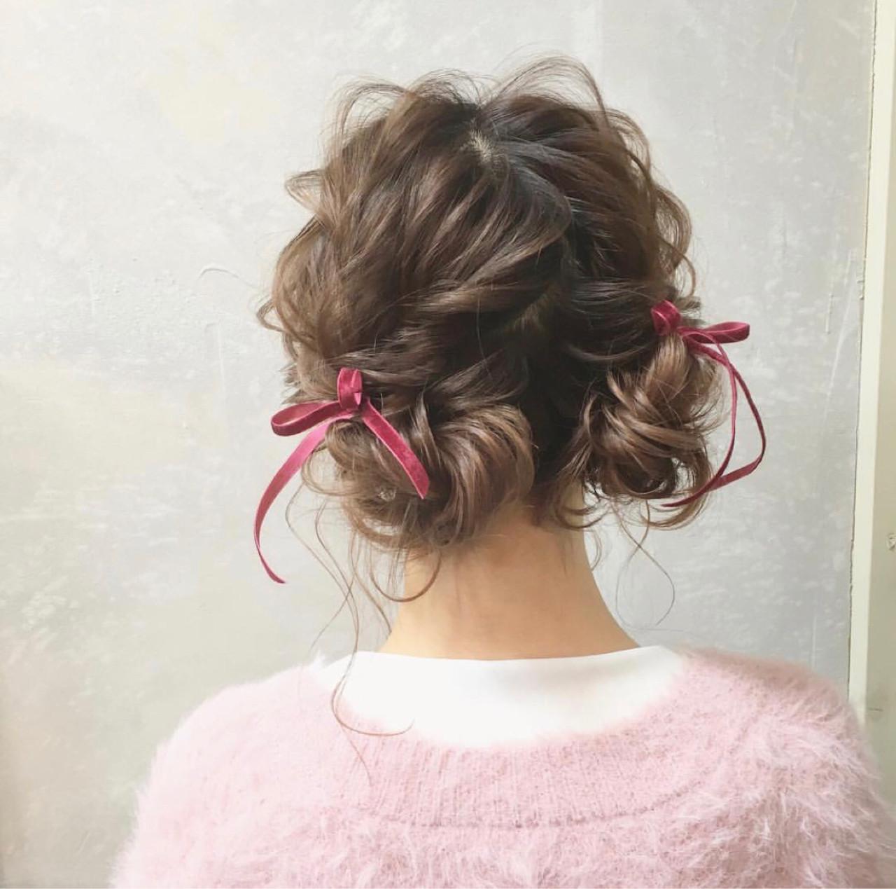 セミロング ヘアアレンジ お団子 ガーリー ヘアスタイルや髪型の写真・画像