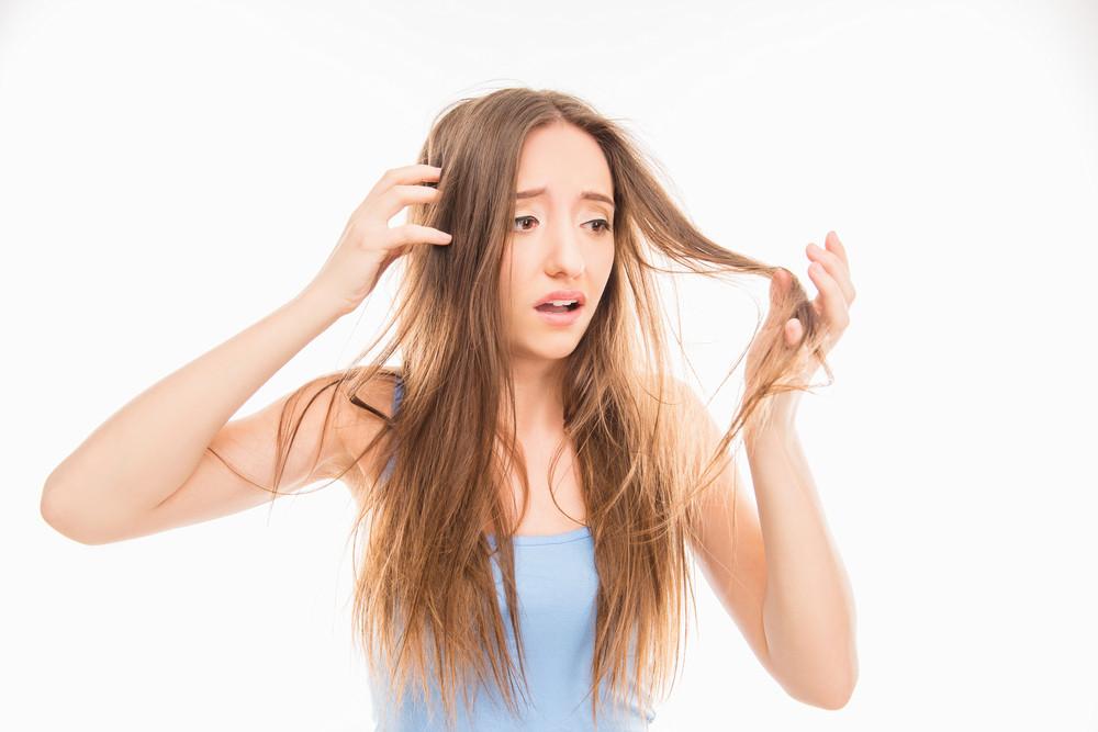 これって枝毛?正しい髪の毛のケアをしている?