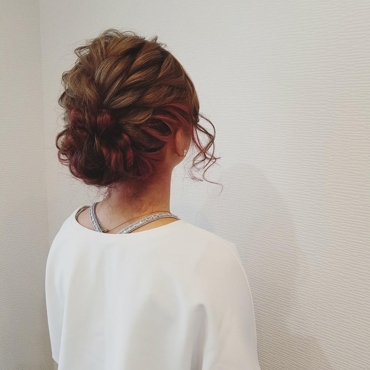 アップスタイル ミディアム フェミニン ヘアアレンジ ヘアスタイルや髪型の写真・画像