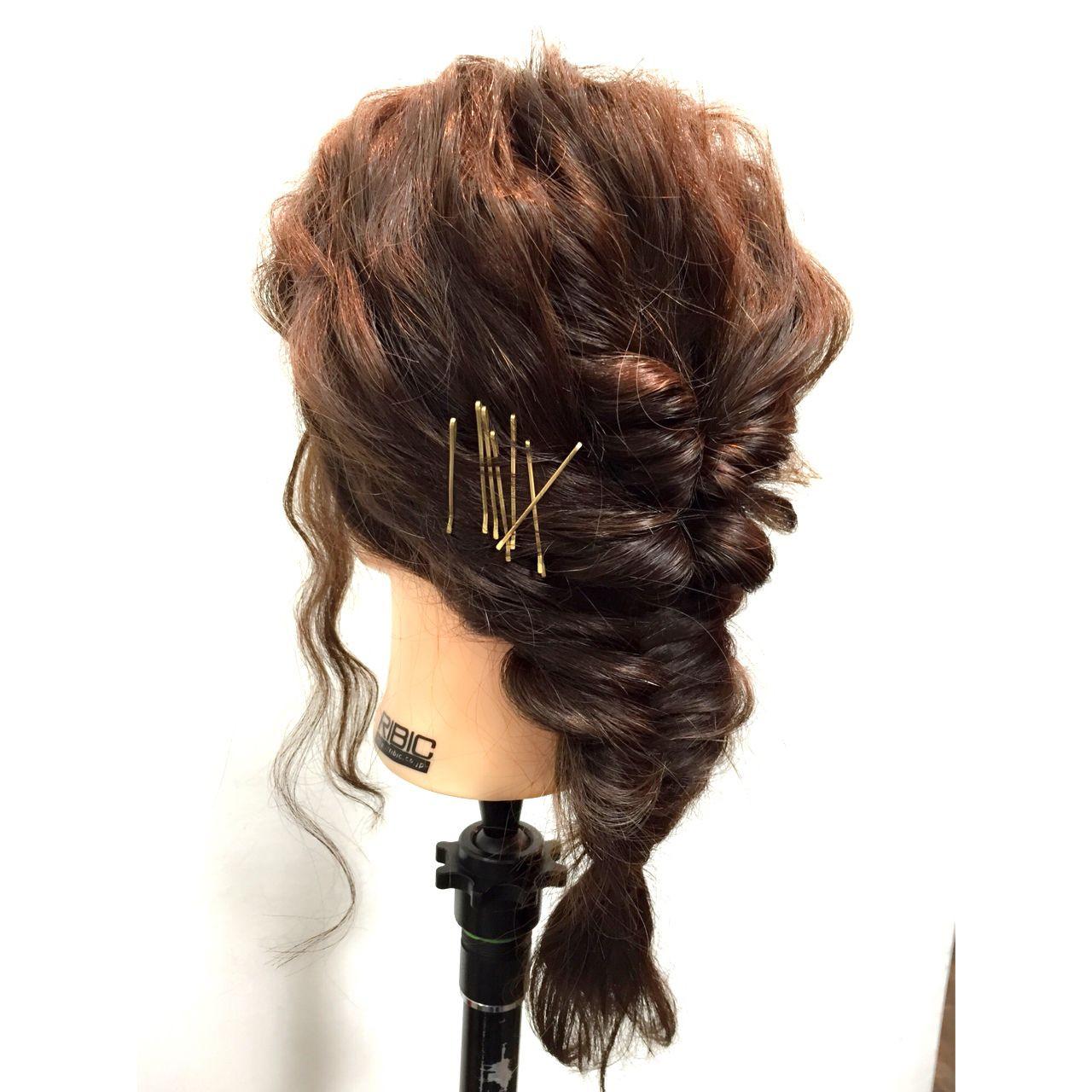 ショート くるりんぱ 簡単ヘアアレンジ フィッシュボーン ヘアスタイルや髪型の写真・画像