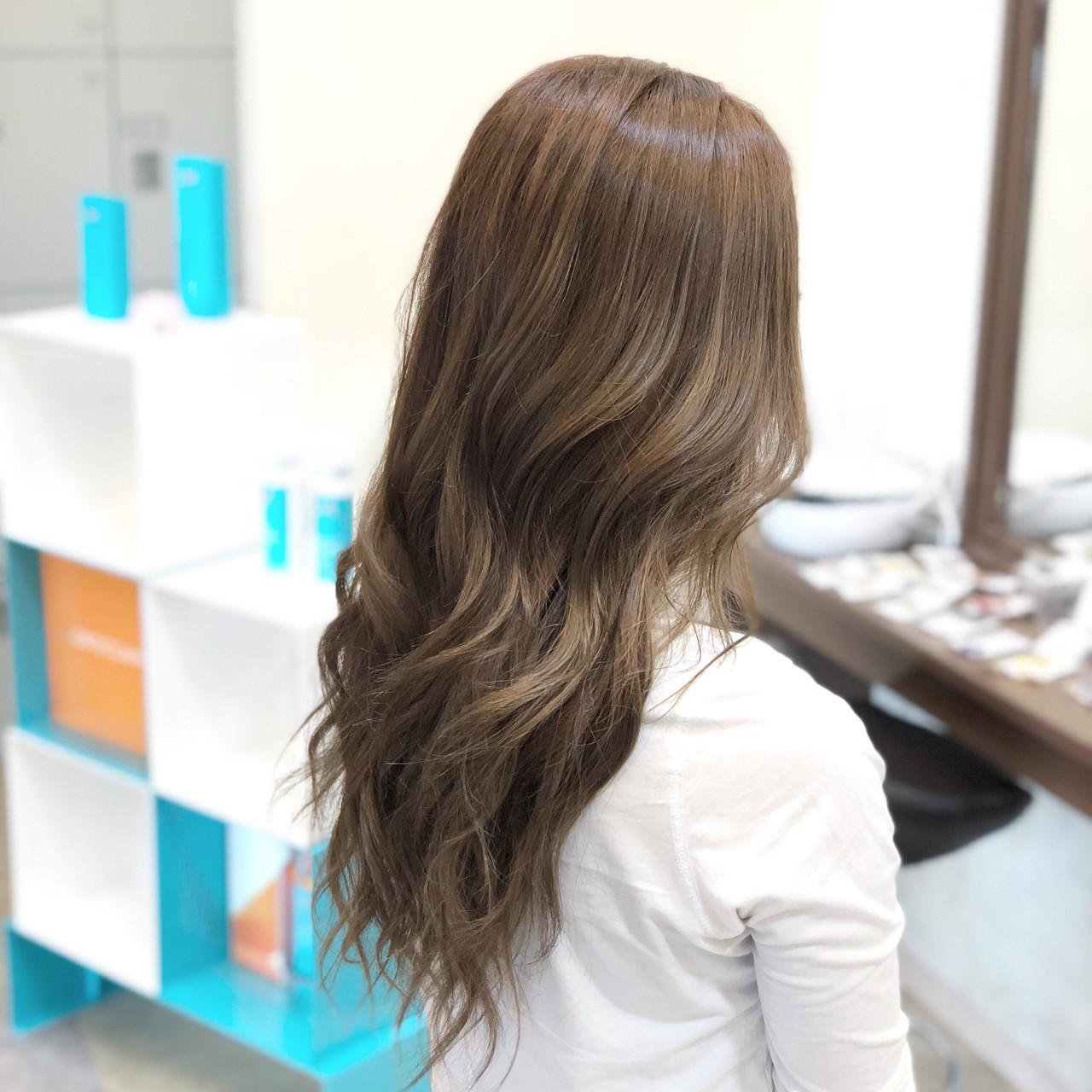 透明感 ハイライト ブリーチなし フェミニン ヘアスタイルや髪型の写真・画像