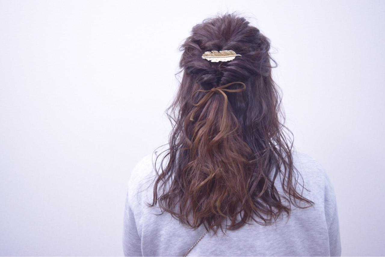 簡単ヘアアレンジ セミロング ハーフアップ ガーリー ヘアスタイルや髪型の写真・画像
