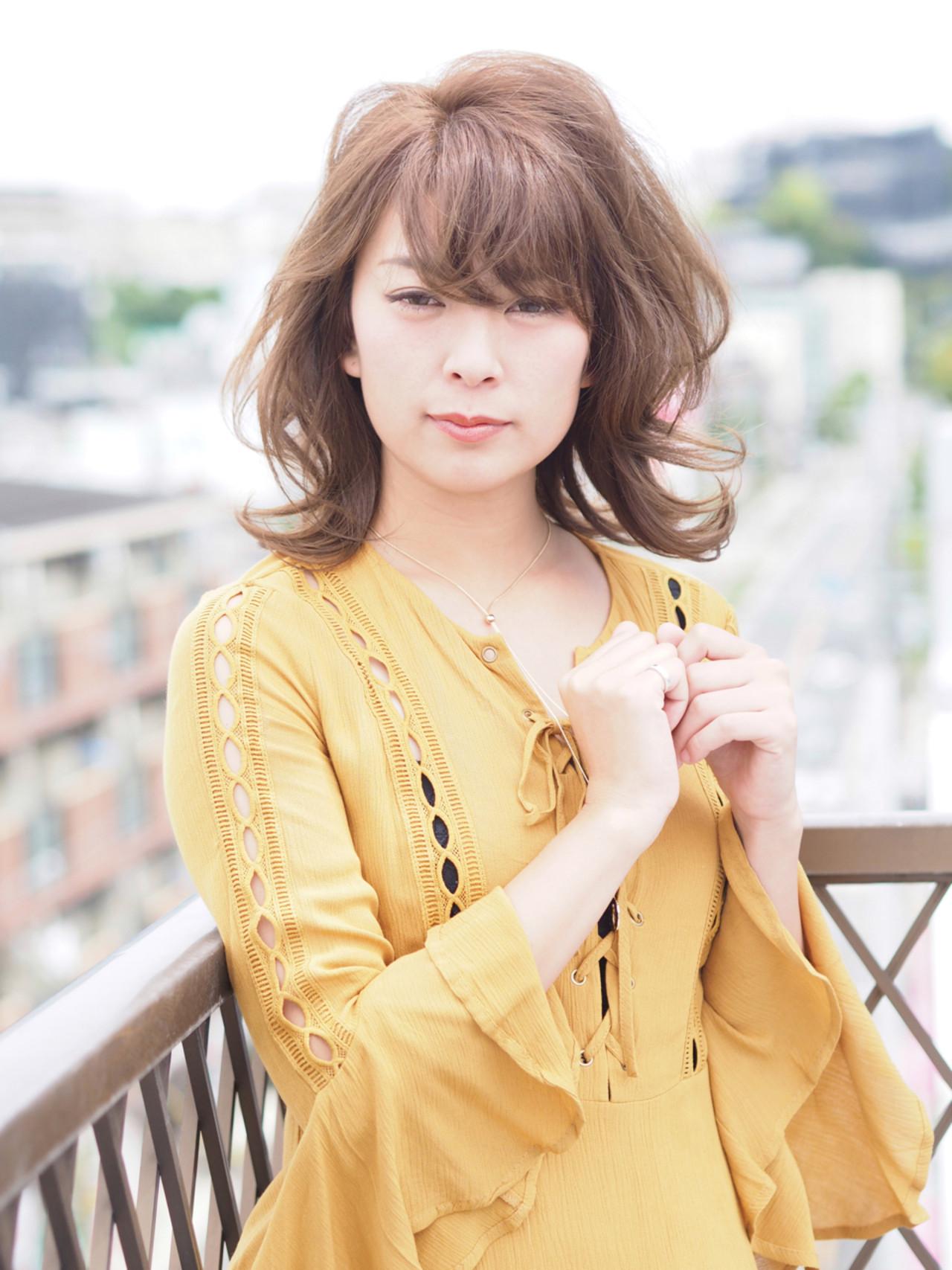 アッシュベージュ 外国人風カラー ひし形 ナチュラル ヘアスタイルや髪型の写真・画像