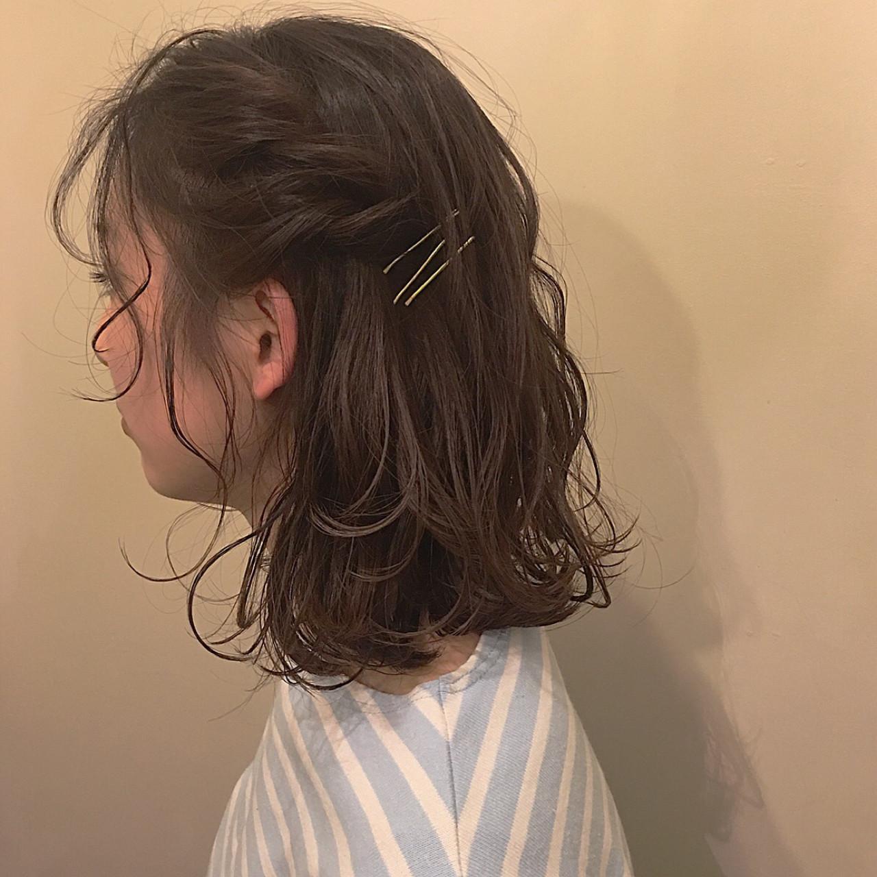編み込み ナチュラル ねじり ミディアム ヘアスタイルや髪型の写真・画像