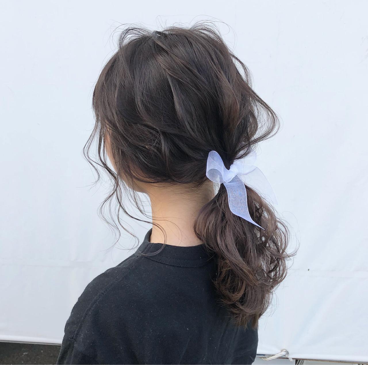 青リボンで清楚に魅せるポニーテール hii.de@✂︎