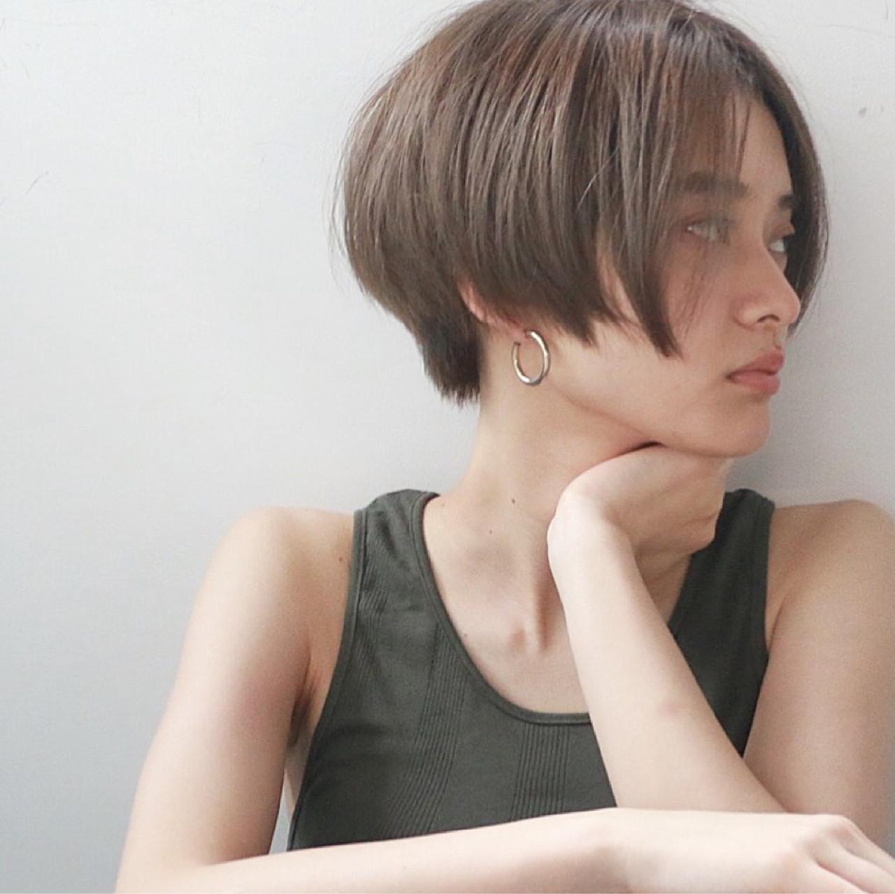 クールな印象のシルエット美人ショート 高橋 忍