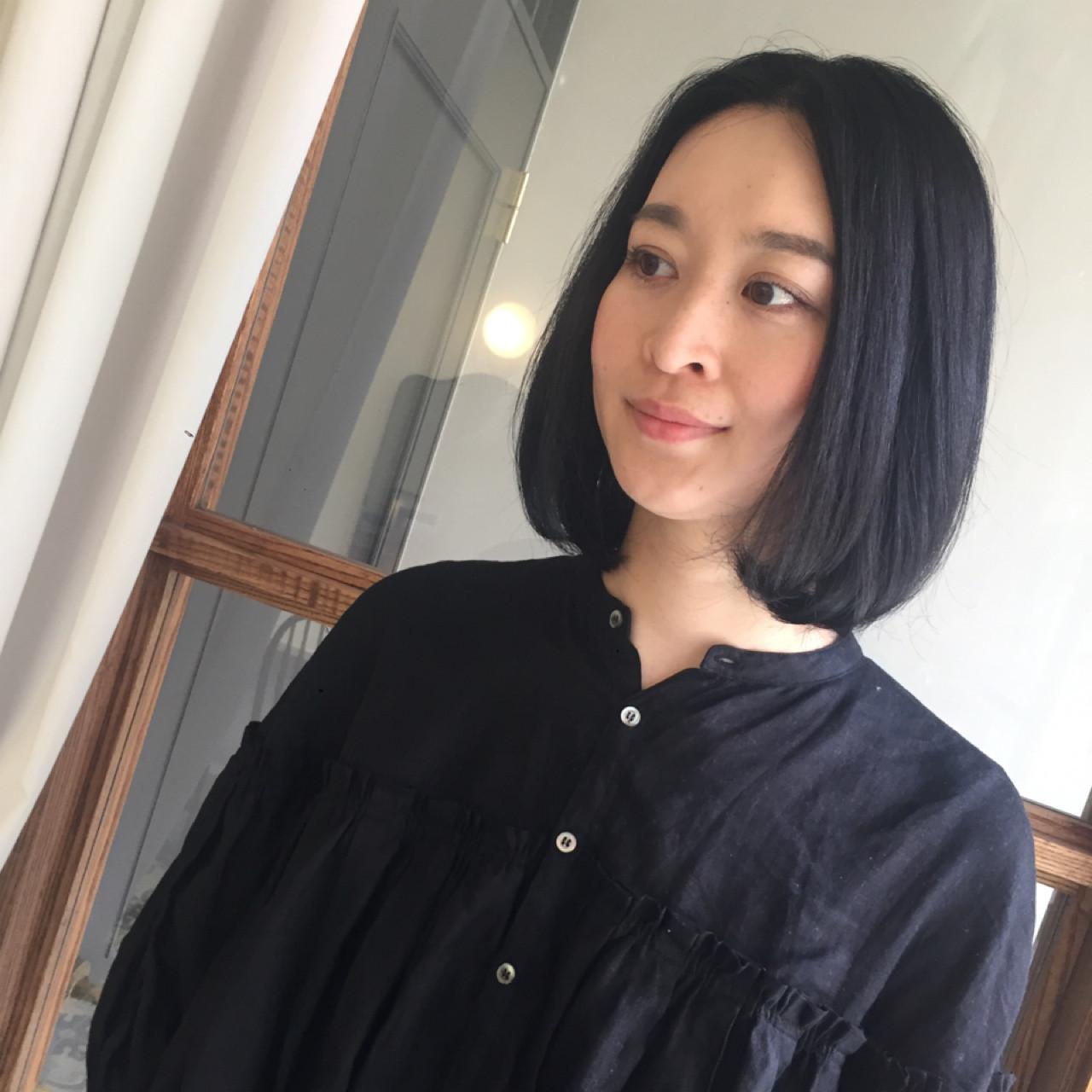 ミディアム ワンレングス ロブ 黒髪 ヘアスタイルや髪型の写真・画像