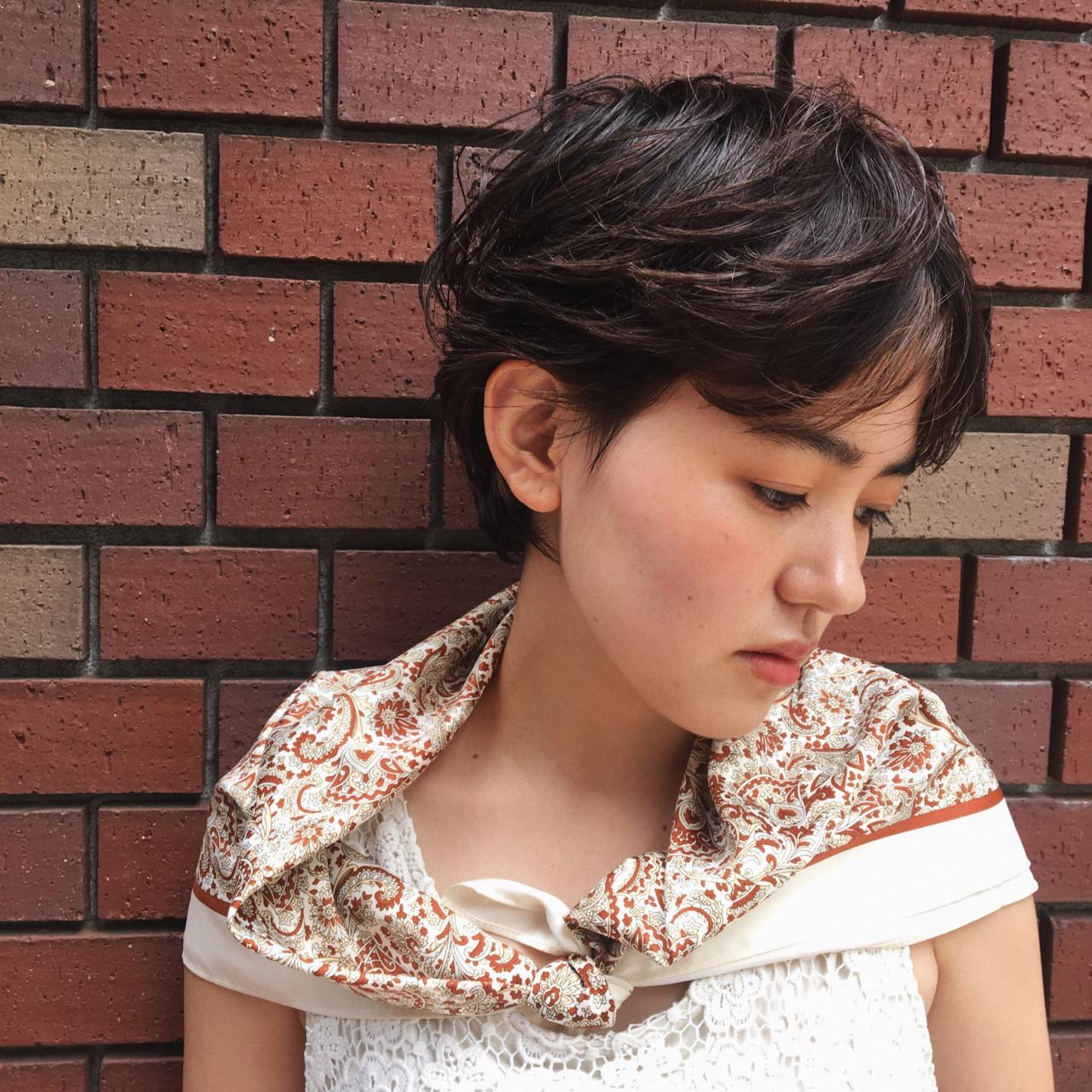 前髪あり ショート モード センター分け ヘアスタイルや髪型の写真・画像