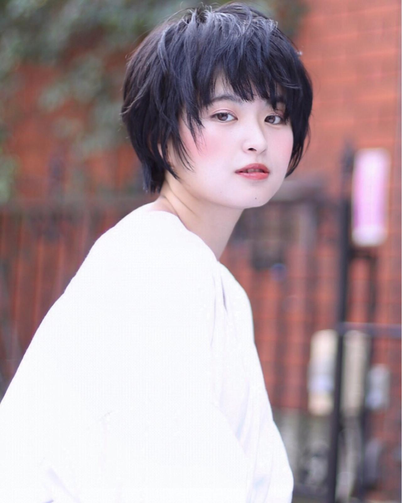 丸顔さんはおでこがチラ見えする前髪に Reina