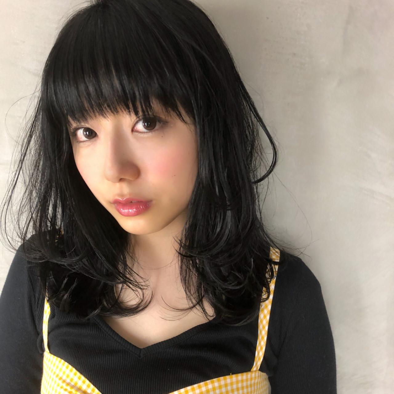 ミディアム 大人かわいい フェミニン 黒髪 ヘアスタイルや髪型の写真・画像