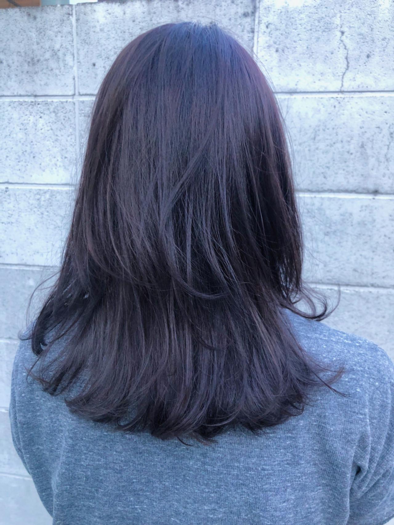 ラベンダーアッシュ レイヤーカット 暗髪 モード ヘアスタイルや髪型の写真・画像