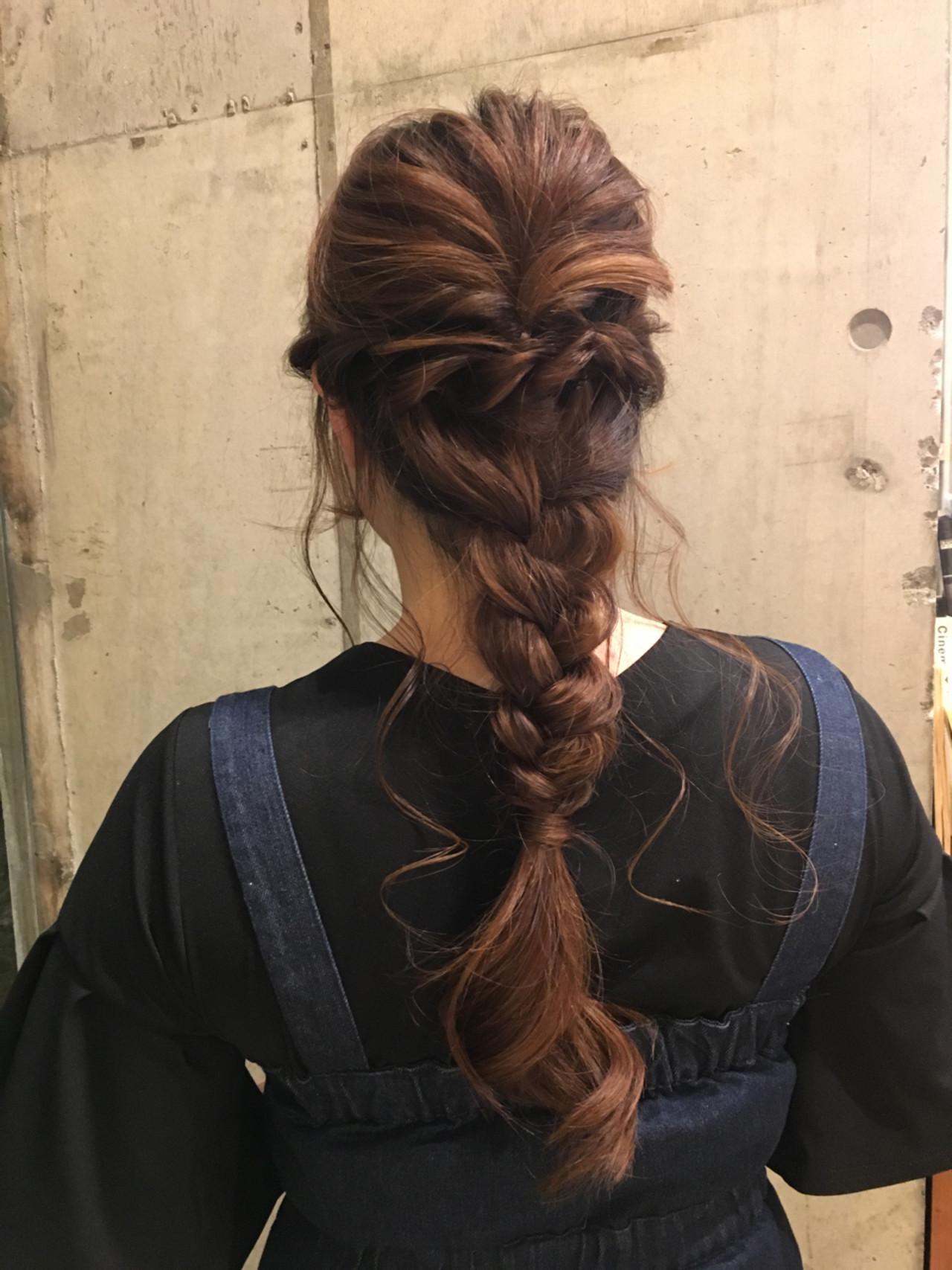 ロング デート フェミニン 編み込み ヘアスタイルや髪型の写真・画像