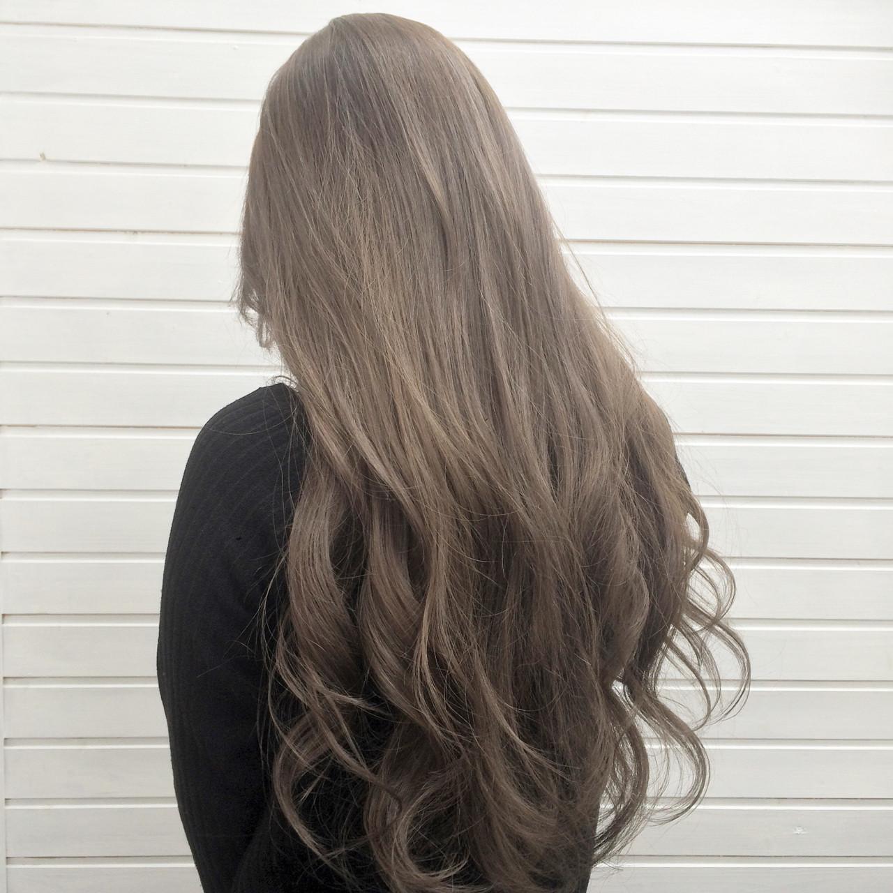 外国人風 グラデーションカラー ハイライト アッシュ ヘアスタイルや髪型の写真・画像