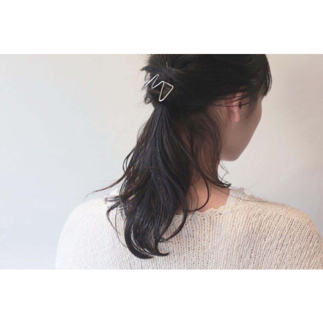 ウェーブ 黒髪 ヘアアレンジ セミロング ヘアスタイルや髪型の写真・画像