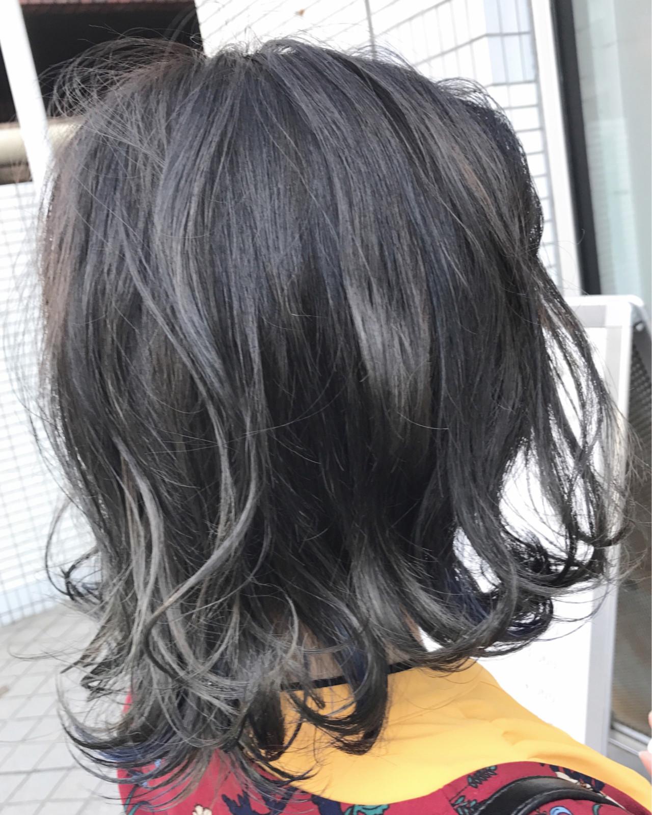 ダブルカラー アッシュ ネイビー ナチュラル ヘアスタイルや髪型の写真・画像