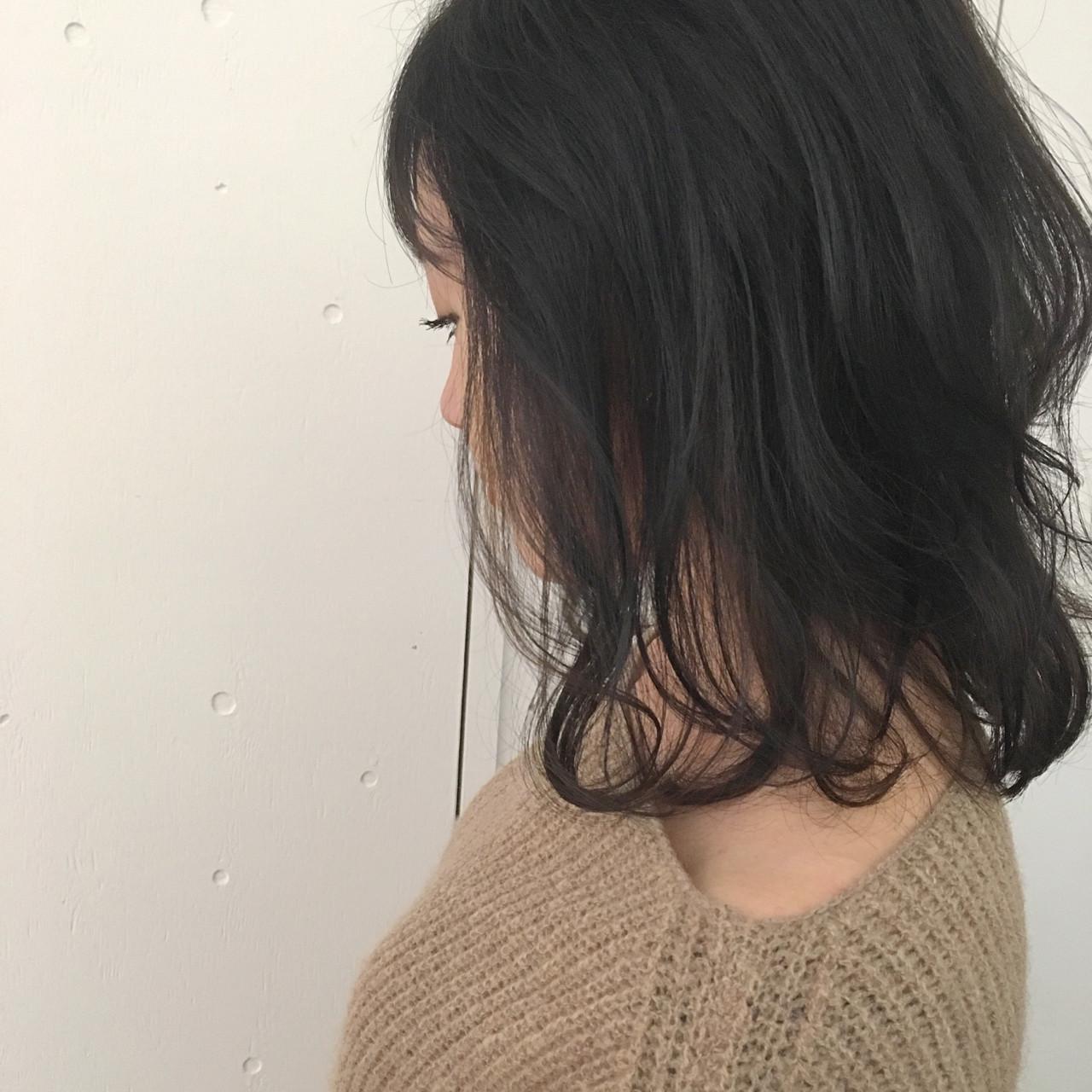 ミディアム アッシュグレージュ 暗髪 アッシュグレー ヘアスタイルや髪型の写真・画像