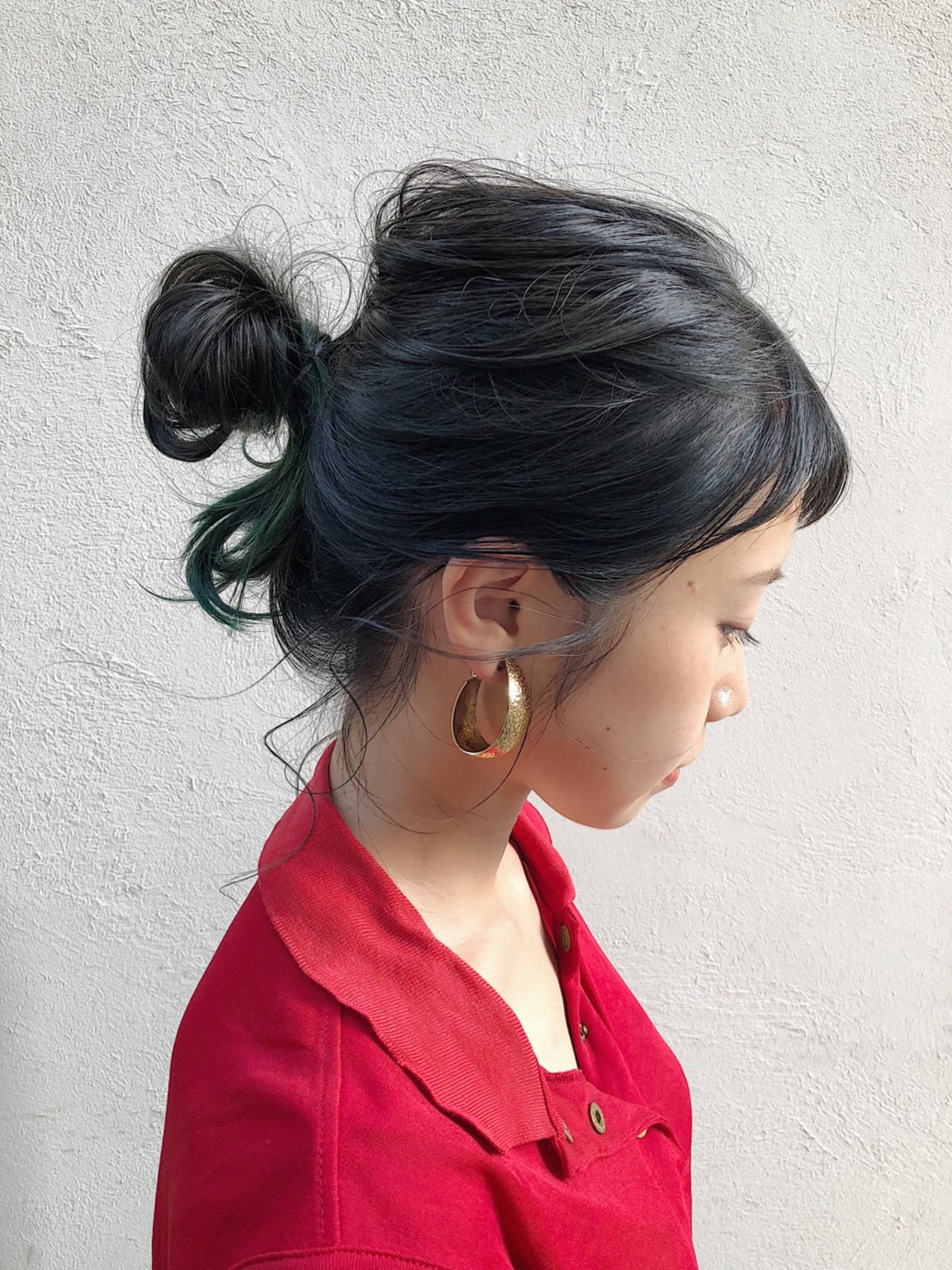 スモーキーアッシュ グレージュ モード グリーン ヘアスタイルや髪型の写真・画像