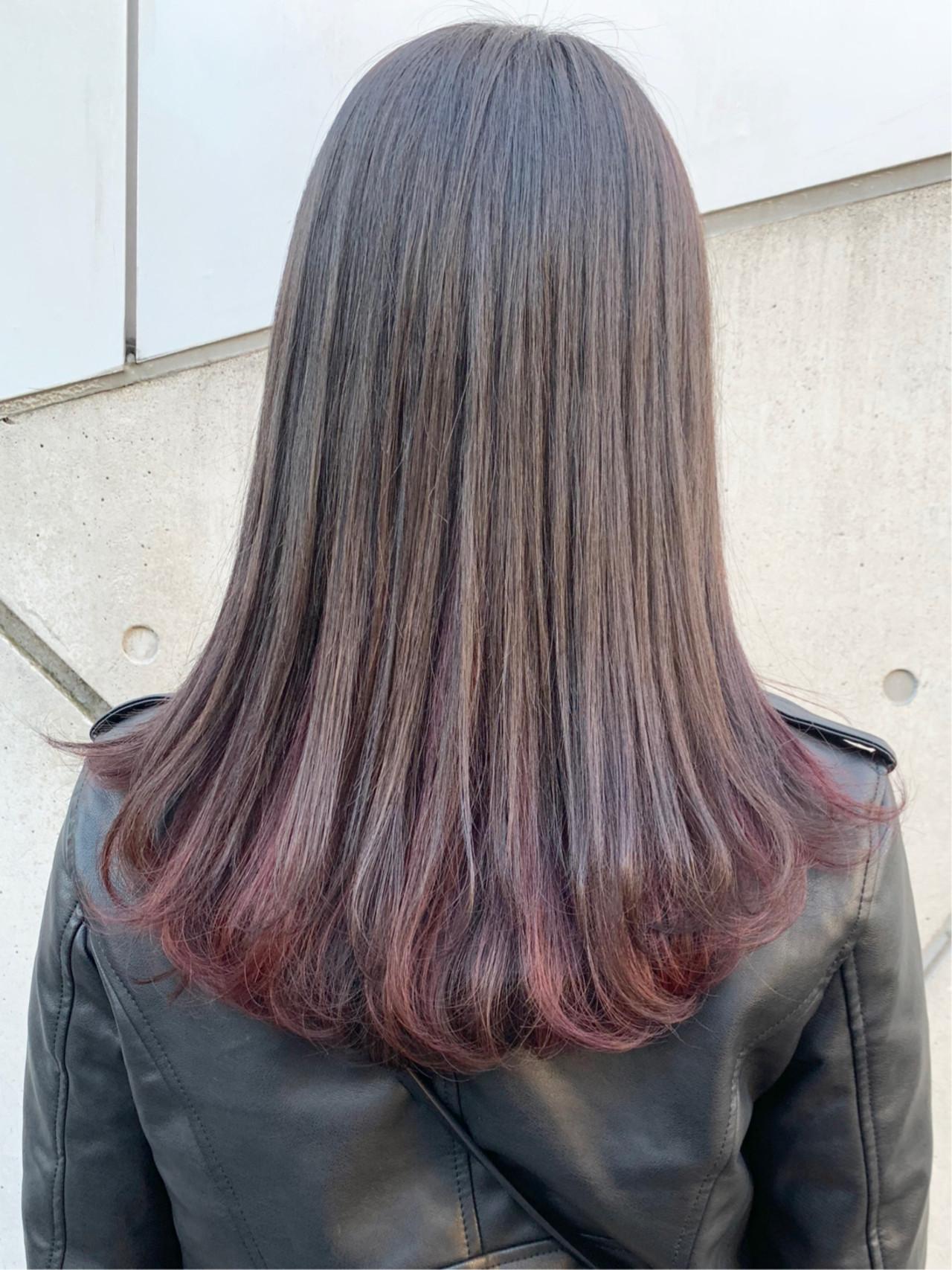 インナーカラー コーラル ストリート ピンク ヘアスタイルや髪型の写真・画像