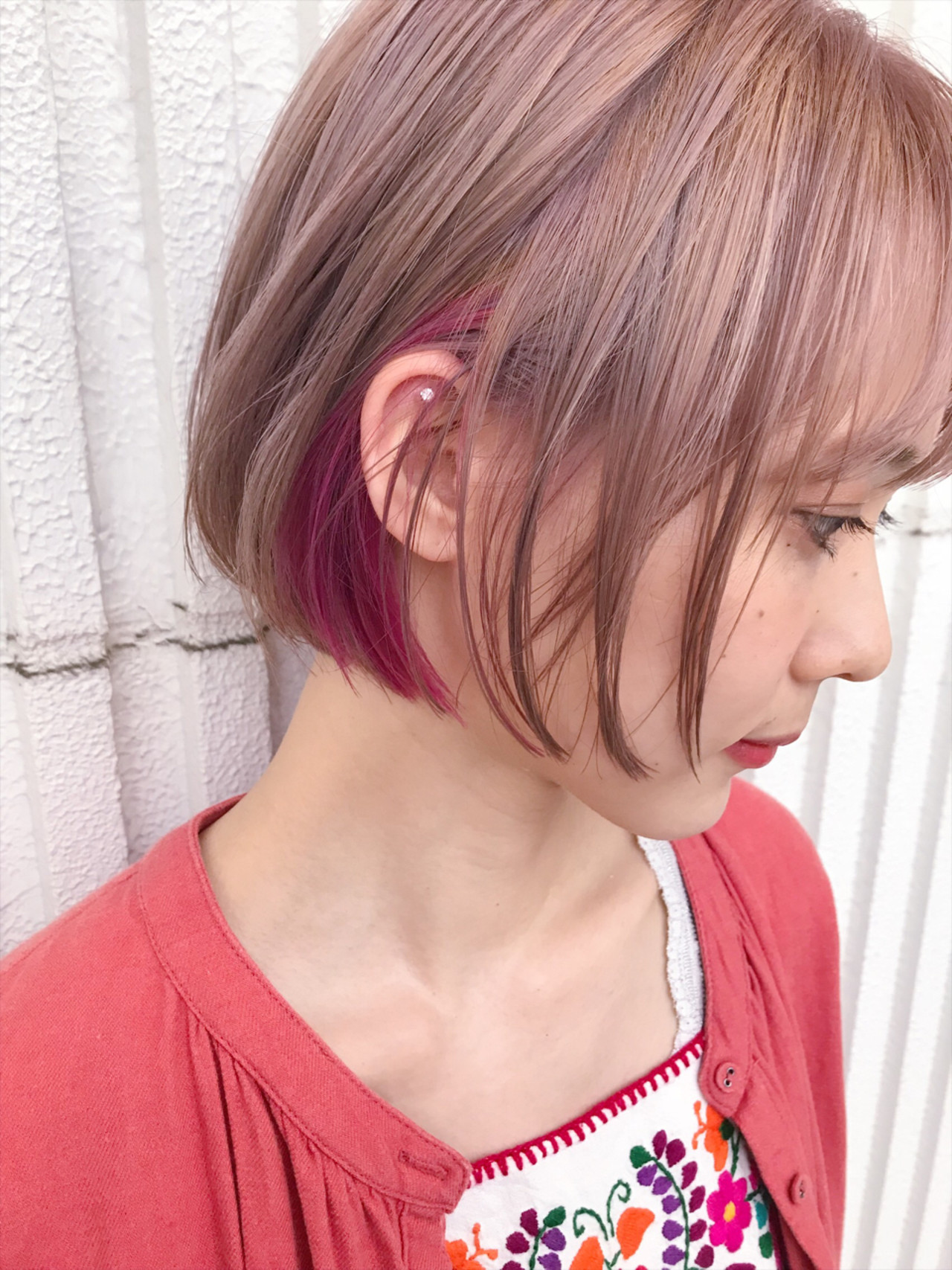 ダブルカラー カラーバター ショート ナチュラル ヘアスタイルや髪型の写真・画像