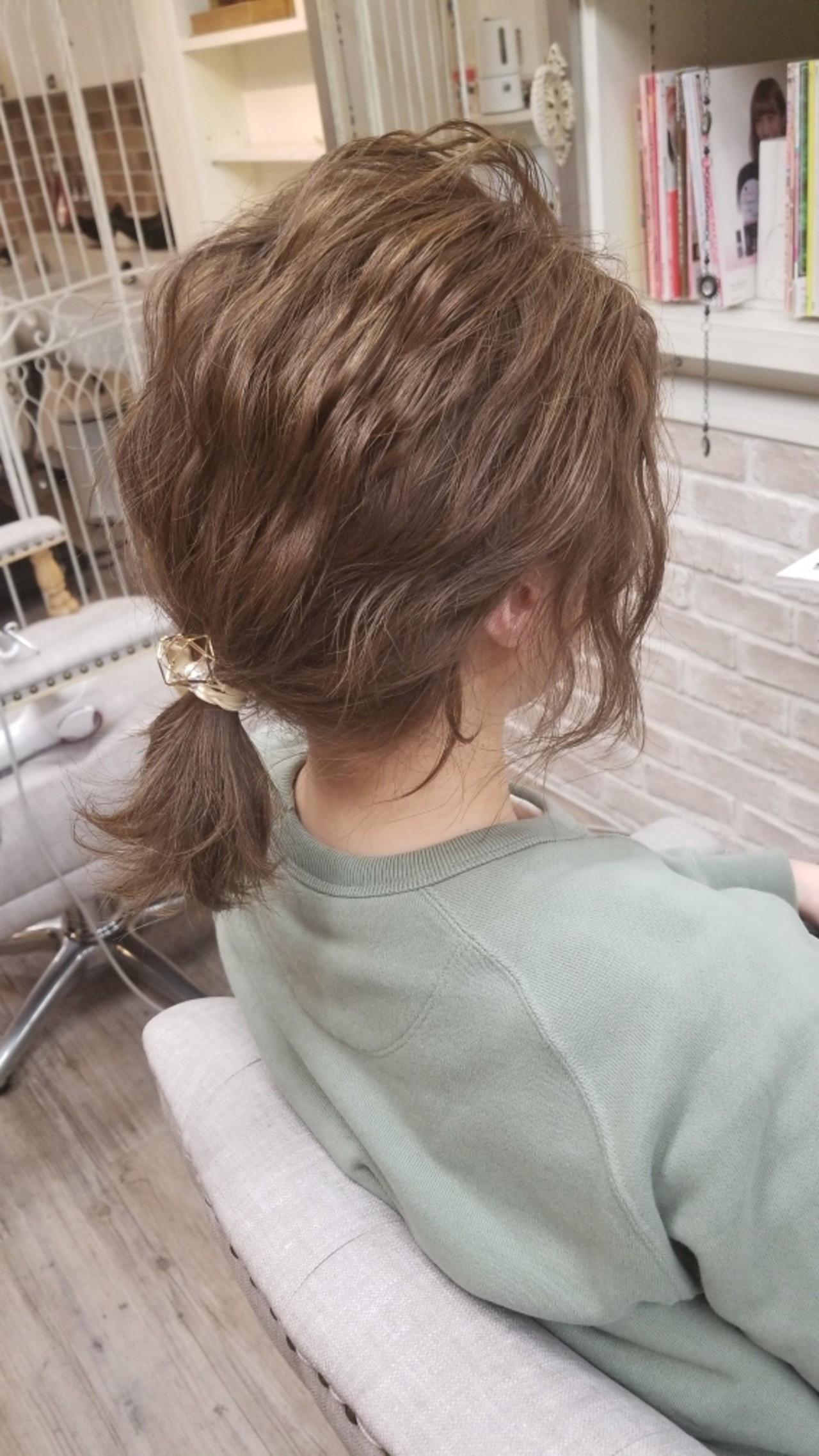 後れ毛が決め手のポニーテールアレンジ Naoko Miura  avant