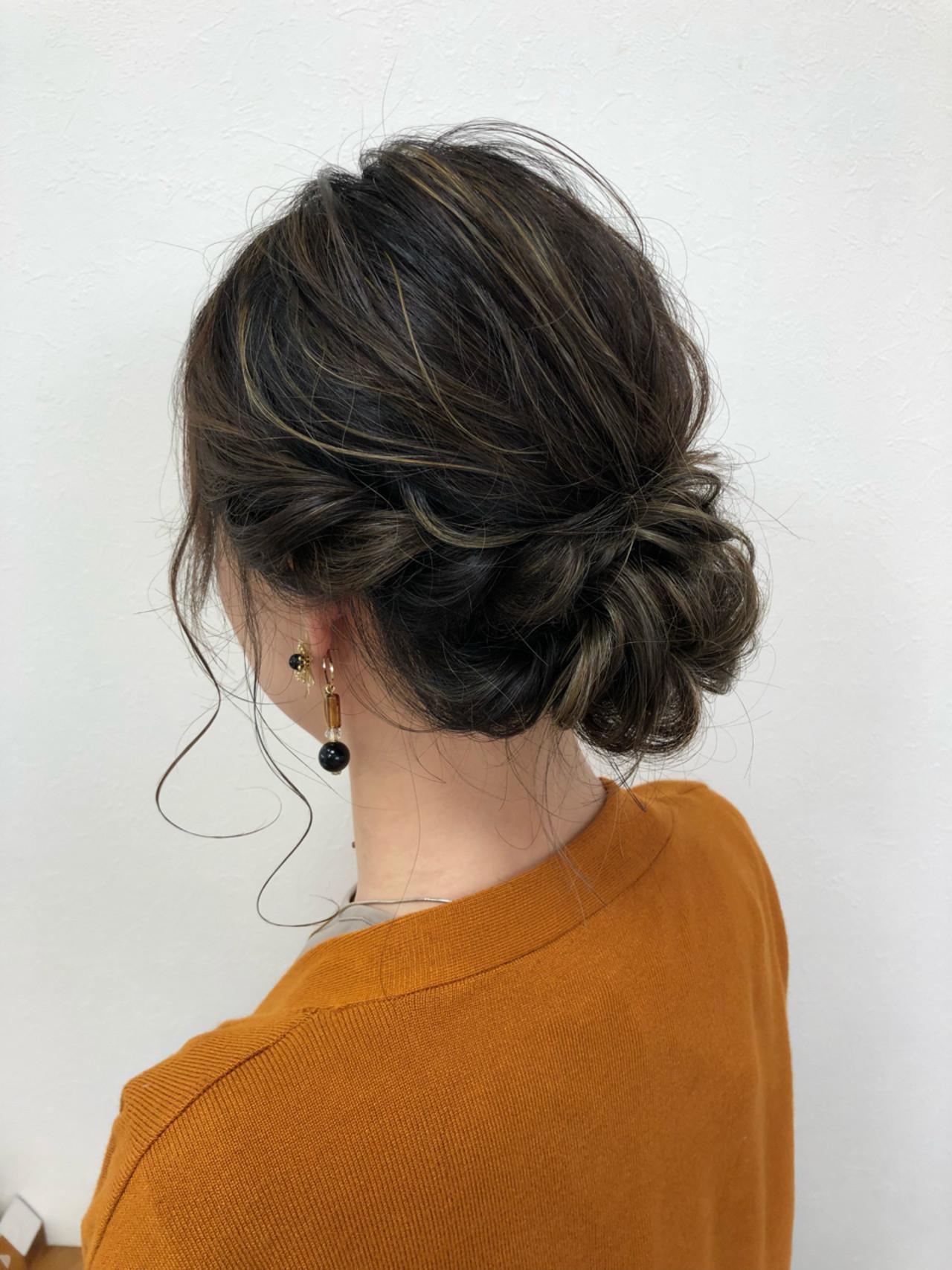 ルーズ ヘアアレンジ シニヨン 結婚式 ヘアスタイルや髪型の写真・画像