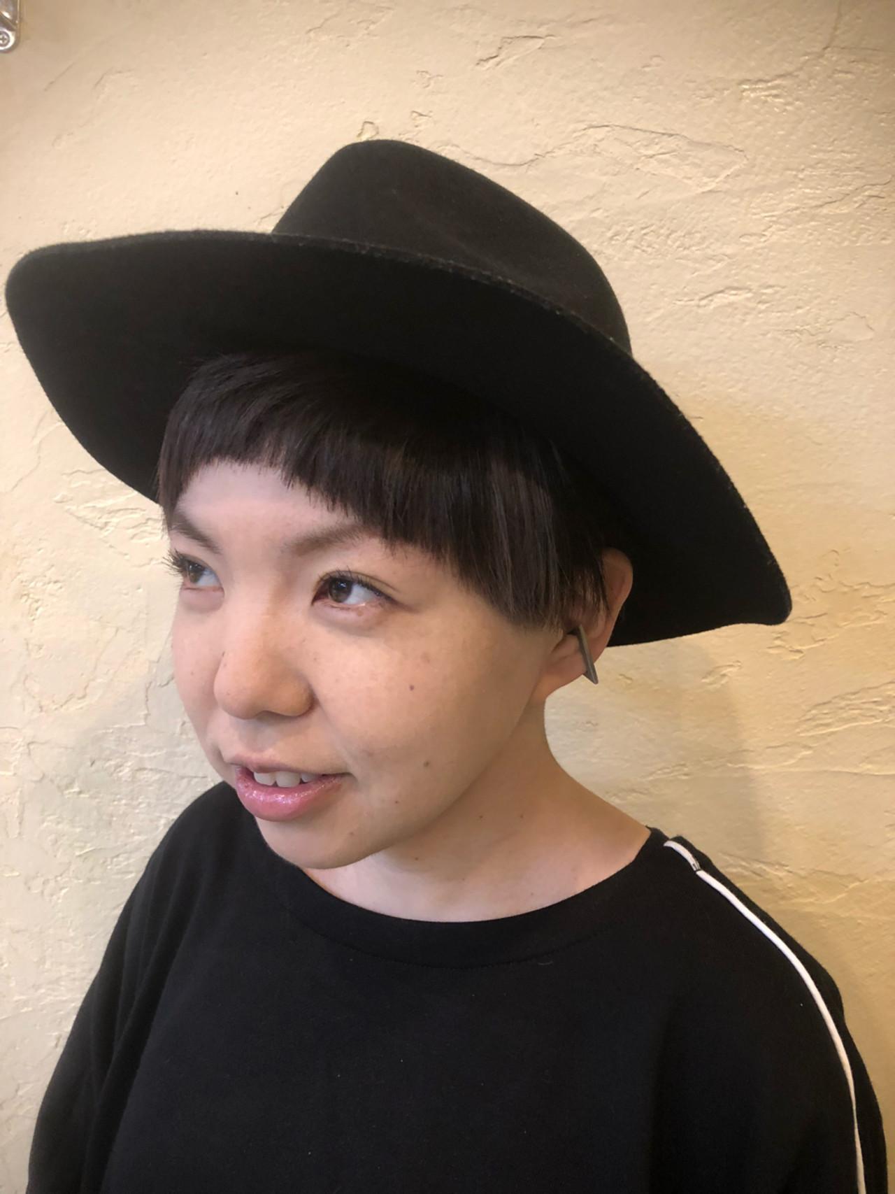 大人女子 前髪パッツン メッシュ モード ヘアスタイルや髪型の写真・画像