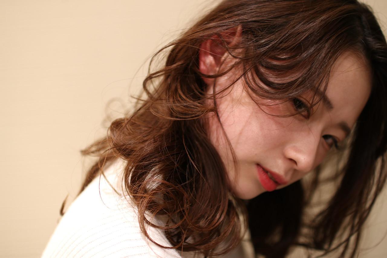 色っぽさプラスのゆるふわパーマヘア katayama yuma