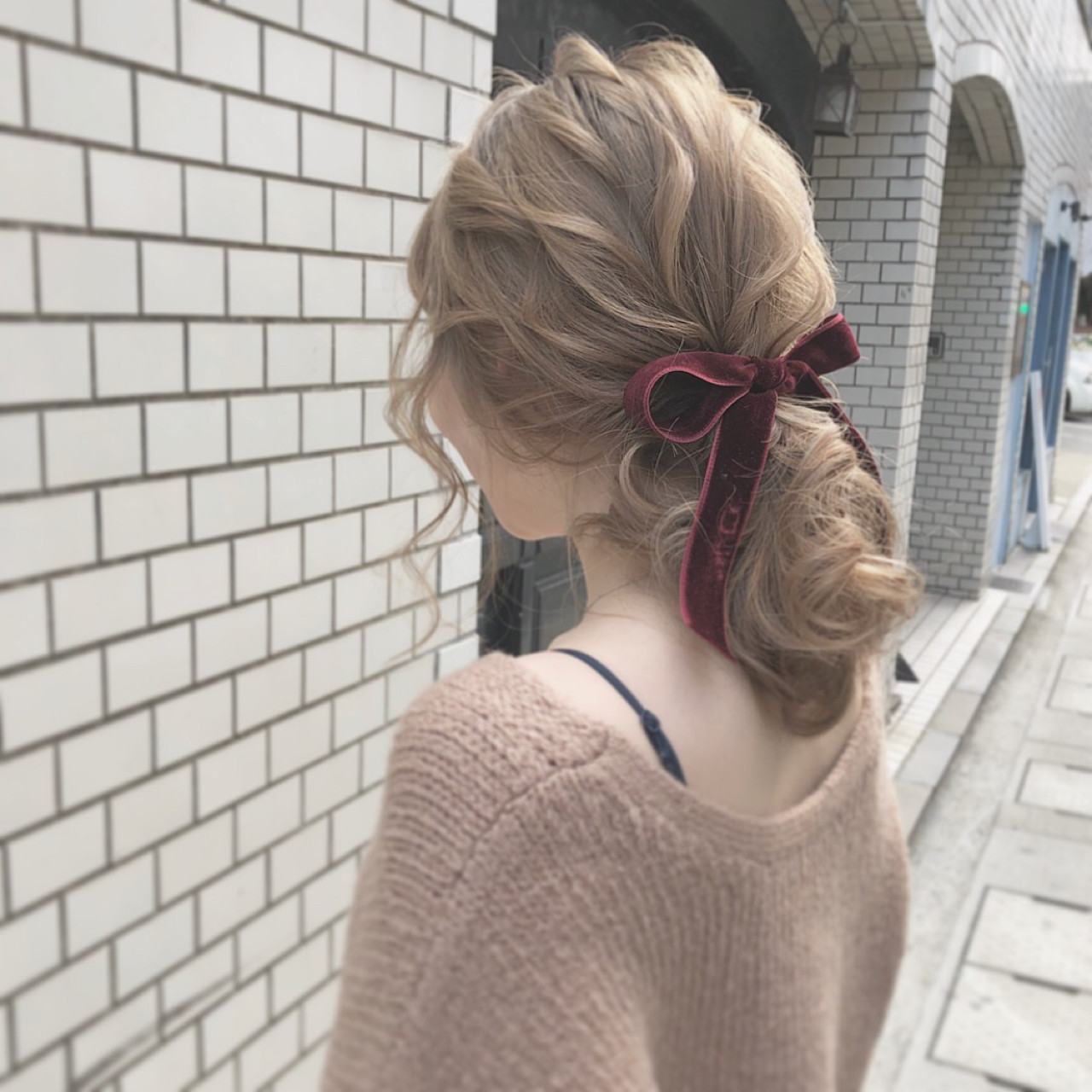 ポニーテール セミロング 大人かわいい ガーリー ヘアスタイルや髪型の写真・画像