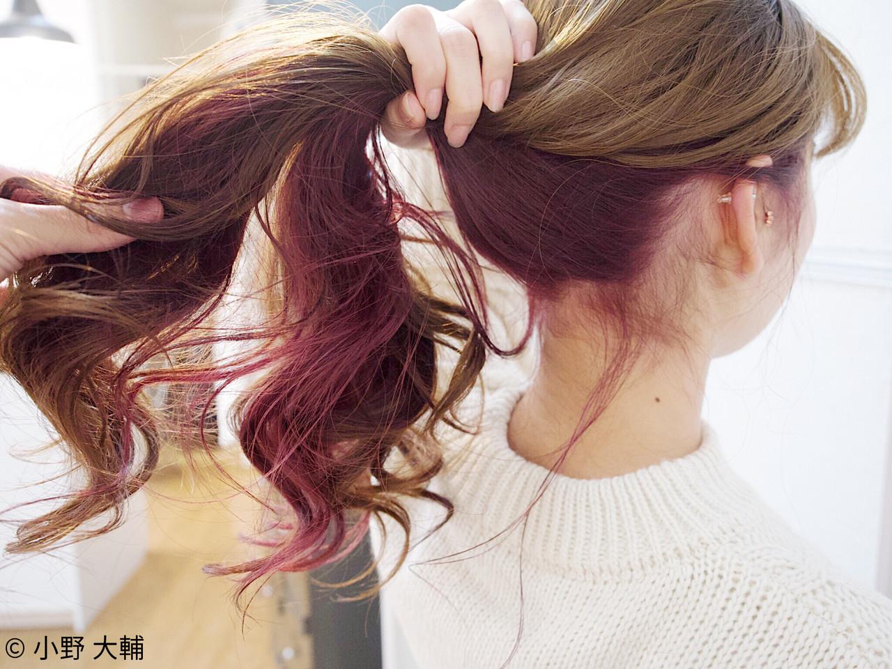 ガーリー レッド インナーカラー ピンク ヘアスタイルや髪型の写真・画像