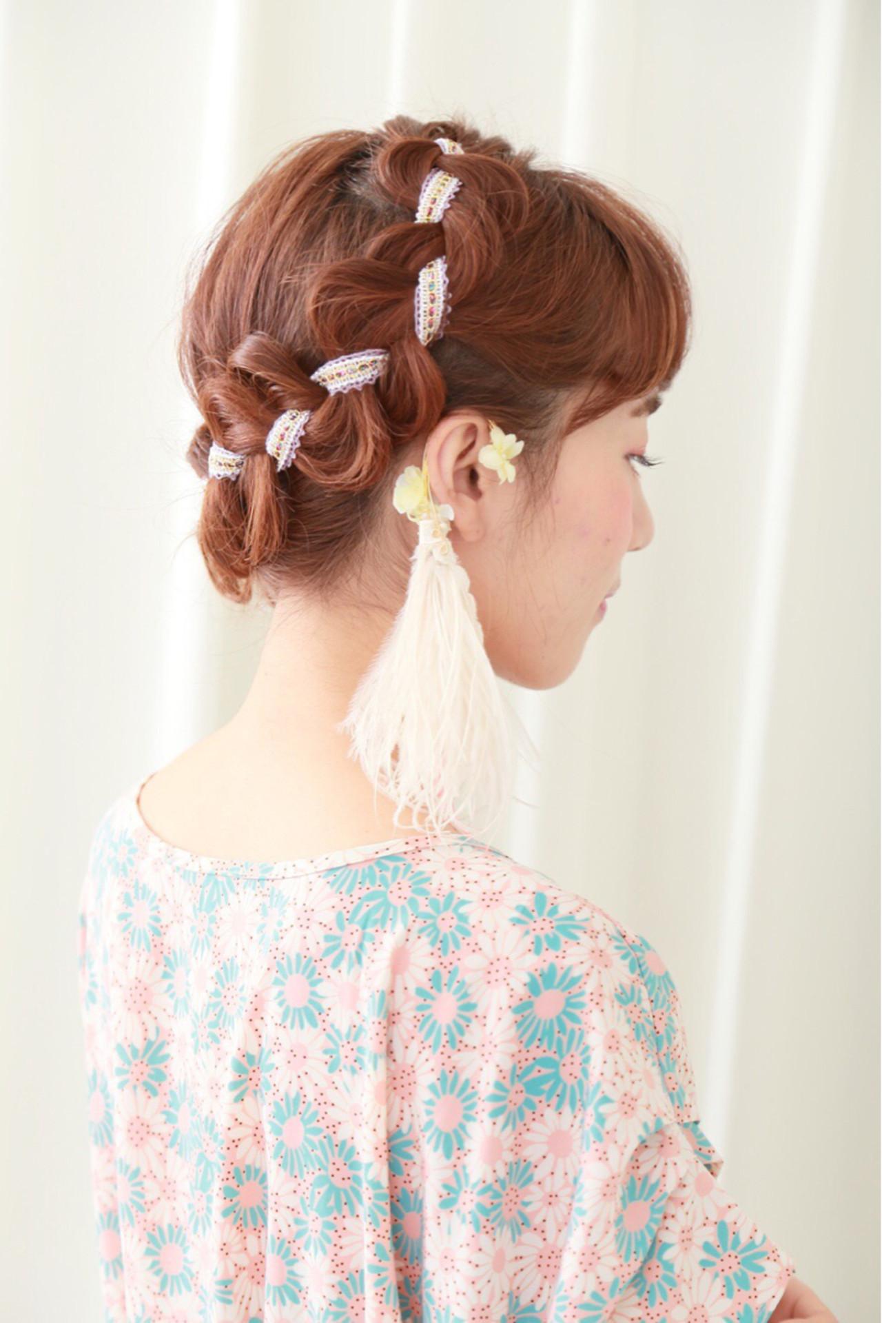 編み込み ヘアアレンジ セミロング ヘアアクセ ヘアスタイルや髪型の写真・画像
