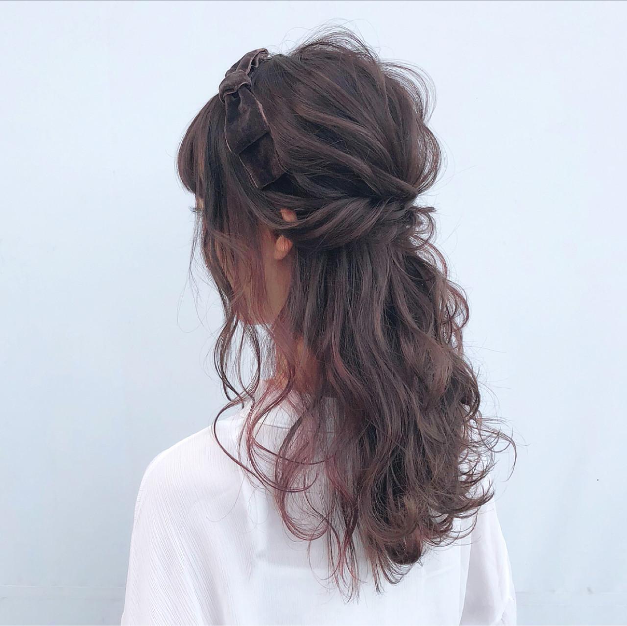 こなれ感たっぷりセミロングのねじりんぱハーフアップ hii.de@✂︎  CHERIE hair design